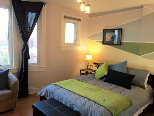 Eclectic 4 Bedroom Near Transit Station