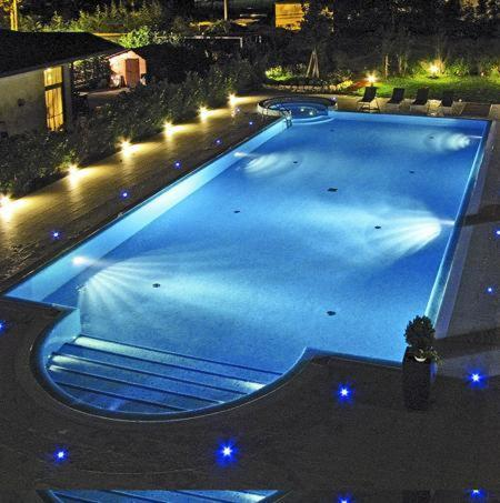 วิวสระว่ายน้ำที่ Hotel Victoria หรือบริเวณใกล้เคียง