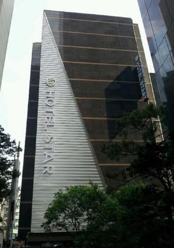 อาคารที่มีโมเทล