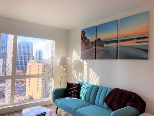 พื้นที่นั่งเล่นของ Seattle Pike & Pine Luxury Suites by Nspire