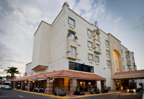 Hotel Suites Mexico Plaza Campestre