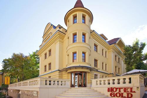 ゴールド ホテル ワイン & ダイン