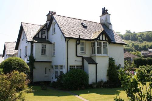 Longmead House