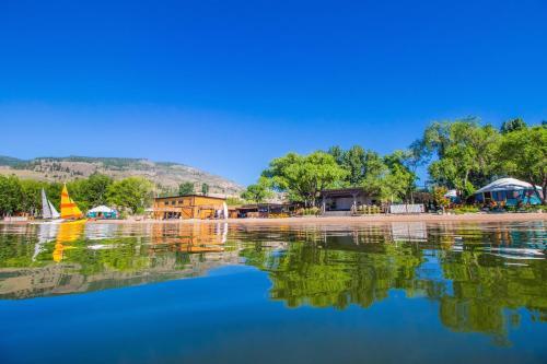 Barefoot Beach Resort