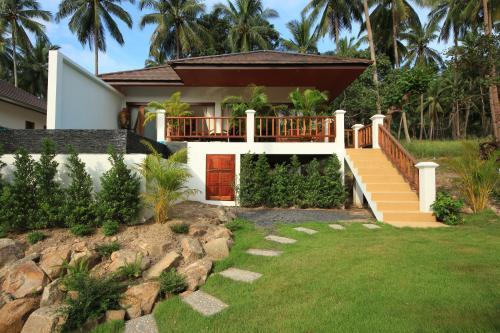 สวนหย่อมนอก Tropical Season Villa Resort