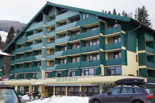 Alpine Club Hotel