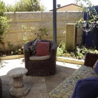 Relax, bright & airy garden Villa