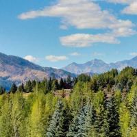 Legends - Simply Perfect Elkhorn Retreat