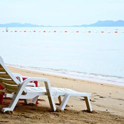 บางแสน โรงแรมที่มีสระว่ายน้ำ 17 แห่ง