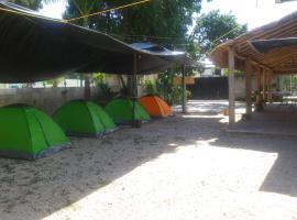 Ximbal Camping, บาคาลาร์