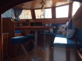 Yacht Heureka, Chez-le-Bart