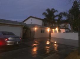 Valley Village/North Hollywood Guest House, นอร์ทฮอลลีวูด