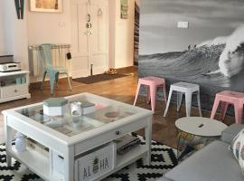 Cocos surf house, La Arena