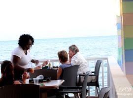 Coral Harbour Beach House & Villas