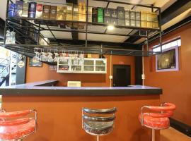 Baan Chang Hotel & Coffee House
