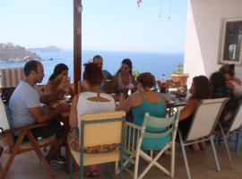 Traditional apartment, Kalymnos (บริเวณใกล้เคียงMirtéai)