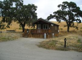San Benito Camping Resort One-Bedroom Cabin 7, Paicines