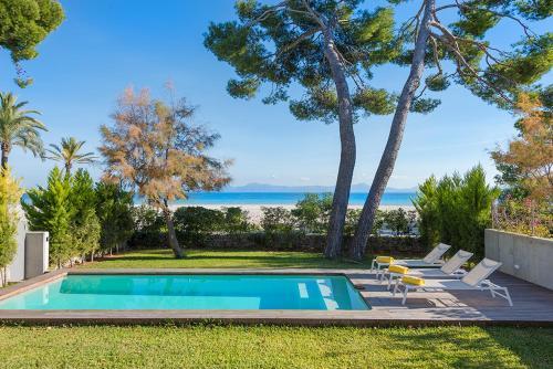 Alcudia beach Rock private pool