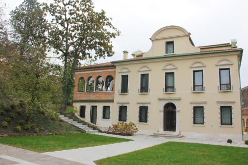 10 for Boutique hotel treviso