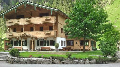 Haus Lacknerbrunn 325S