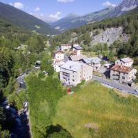 Palace Pontedilegno Resort </h2 <div class=sr-card__item sr-card__item--badges <div style=padding: 2px 0  <div class=bui-review-score c-score bui-review-score--smaller <div class=bui-review-score__badge 6,4 </div <div class=bui-review-score__content <div class=bui-review-score__title Carino </div </div </div   </div </div <div class=sr-card__item   data-ga-track=click data-ga-category=SR Card Click data-ga-action=Hotel location data-ga-label=book_window: 10 day(s)  <svg class=bk-icon -iconset-geo_pin sr_svg__card_icon height=12 width=12<use xlink:href=#icon-iconset-geo_pin</use</svg <div class= sr-card__item__content   , Ponte di Legno • a   da Trapalle </div </div </div <div class= sr-card__price m_sr_card__price_with_unit_name  data-et-view=  OMOQcUFDCXSWAbDZAWe:1    <div class=m_sr_card__price_unit_name m_sr_card__price_small Appartamento con 1 Camera da Letto </div <div data-et-view=OMeRQWNdbLGMGcZUYaTTDPdVO:1</div <div data-et-view=OMeRQWNdbLGMGcZUYaTTDPdVO:3</div <div data-et-view=OMeRQWNdbLGMGcZUYaTTDPdVO:4</div <div data-et-view=OMeRQWNdbLGMGcZUYaTTDPdVO:6</div <div data-et-view=OMeRQWNdbLGMGcZUYaTTDPdVO:9</div    <div class=sr_price_wrap   sr_simple_card_price--include-free-cancelation   data-et-view=       <span class= sr-card__price-rack-rate  data-component=tooltip data-tooltip-text= data-deal-rack=rackrate data-discount=37 data-ga-track=click data-ga-category=SR Card Click data-ga-action=Rack rate data-ga-label=book_window: 10 day(s)  TL 462 </span   <span class=sr-card__price-cheapest  data-ga-track=click data-ga-category=SR Card Click data-ga-action=Hotel price data-ga-label=book_window: 10 day(s)   TL 291 </span  </div       <div class=prd-taxes-and-fees-under-price  blockuid- charges-type-5 data-excl-charges-raw=46.2 data-cur-stage=5  tasse e costi possono variare </div     <p class=urgency_price   <span class=sr_simple_card_price_from sr_simple_card_price_includes--text data-ga-track=click data-ga-category=SR Card Click data-ga-action=Hotel price persuasion data-ga-label=book_window: 10 day(s) data-et-view=   Ce ne rimane solo <span class=sr-card__item--strong1</span! </span </p <div class=breakfast_included--constructive u-font-weight:bold Colazione inclusa </div  <p class=sr_simple_card_price_includes css-loading-hidden <span <span class=sr-card__item--strongCancellazione GRATUITA</span </span </p <p class=sr_simple_card_price_includes css-loading-hidden <span  <span class=u-display-block u-font-weight-boldNON SERVE ALCUN PAGAMENTO ANTICIPATO</span - paga in struttura  </span </p  </div </div </a </li <div data-et-view=cJaQWPWNEQEDSVWe:1</div <li id=hotel_384027 data-is-in-favourites=0 data-hotel-id='384027' class=sr-card sr-card--arrow bui-card bui-u-bleed@small js-sr-card m_sr_info_icons card-halved card-halved--active   <a href=/hotel/it/bed-and-breakfast-leonardi.it.html?label=gen173nr-1FCAQoggJCCmRpc3RyaWN0X1hIFFgEaOQBiAEBmAEUuAEYyAEF2AEB6AEB-AEDiAIBqAIEuAKZ35roBcACAQ&sid=ad0db08d67080dcfedbb3dd6e6bd6be6&all_sr_blocks=38402701_107103552_0_2_0&checkin=2019-06-26&checkout=2019-06-27&dest_type=district&hapos=5&highlighted_blocks=38402701_107103552_0_2_0&hpos=5&nflt=pri%3D&sr_order=price&srepoch=1560719257&srpvid=5667948c050101c7&ucfs=1&matching_block_id=38402701_107103552_2_0_0&srhp=1&ref_is_wl=1 target=_blank class=sr-card__row bui-card__content  <div class=sr-card__image js-sr_simple_card_hotel_image has-debolded-deal js-lazy-image sr-card__image--lazy data-src=https://r-ak.bstatic.com/xdata/images/hotel/square200/83518976.jpg?k=a2eb93cc3bf93e7019ef9ea8830a3a5f21e87c72138d2bdc3278f4b4710715d3&o=&s=1,https://q-ak.bstatic.com/xdata/images/hotel/max1024x768/83518976.jpg?k=5335787a4dfed0fde09e4010e4bf1642d2018324dfa70cde5c02a2e8b7584ea2&o=&s=1  <div class=sr-card__image-inner css-loading-hidden <div  class= sr_simple_card--deal  sr_text_shadow  data-ga-track=click data-ga-category=SR Card Click data-ga-action=Bottom ribbon data-ga-label=book_window: 10 day(s)    Occasione di oggi </div </div <noscript <div class=sr-card__image--nojs style=background-image: url('https://r-ak.bstatic.com/xdata/images/hotel/square200/83518976.jpg?k=a2eb93cc3bf93e7019ef9ea8830a3a5f21e87c72138d2bdc3278f4b4710715d3&o=&s=1')</div </noscript </div <div class=sr-card__details data-et-click=     <div class=sr-card_details__inner <h2 class=sr-card__name u-margin:0 u-padding:0 data-ga-track=click data-ga-category=SR Card Click data-ga-action=Hotel name data-ga-label=book_window: 10 day(s)  B&B Leonardi </h2 <div class=sr-card__item sr-card__item--badges <div style=padding: 2px 0  <div class=bui-review-score c-score bui-review-score--smaller <div class=bui-review-score__badge 7,9 </div <div class=bui-review-score__content <div class=bui-review-score__title Buono </div </div </div   </div </div <div class=sr-card__item   data-ga-track=click data-ga-category=SR Card Click data-ga-action=Hotel location data-ga-label=book_window: 10 day(s)  <svg class=bk-icon -iconset-geo_pin sr_svg__card_icon height=12 width=12<use xlink:href=#icon-iconset-geo_pin</use</svg <div class= sr-card__item__content   , Monclassico • a   da Trapalle </div </div </div <div class= sr-card__price m_sr_card__price_with_unit_name  data-et-view=  OMOQcUFDCXSWAbDZAWe:1    <div class=m_sr_card__price_unit_name m_sr_card__price_small Camera Matrimoniale Standard </div <div data-et-view=OMeRQWNdbLGMGcZUYaTTDPdVO:3</div <div data-et-view=OMeRQWNdbLGMGcZUYaTTDPdVO:9</div    <div class=sr_price_wrap   sr_simple_card_price--include-free-cancelation   data-et-view=      <span class=sr-card__price-cheapest  data-ga-track=click data-ga-category=SR Card Click data-ga-action=Hotel price data-ga-label=book_window: 10 day(s)   TL 297 </span  </div       <div class=prd-taxes-and-fees-under-price  blockuid- charges-type-2 data-excl-charges-raw=15.84 data-cur-stage=2  + TL 16 di tasse e costi  </div     <div class=breakfast_included--constructive u-font-weight:bold </div  <p class=sr_simple_card_price_includes css-loading-hidden <span <span class=sr-card__item--strongCancellazione GRATUITA</span </span </p <p class=sr_simple_card_price_includes css-loading-hidden <span  <span class=u-display-block u-font-weight-boldNON SERVE ALCUN PAGAMENTO ANTICIPATO</span - paga in struttura  </span </p  </div </div </a </li <div data-et-view=cJaQWPWNEQEDSVWe:1</div <li id=hotel_81891 data-is-in-favourites=0 data-hotel-id='81891' class=sr-card sr-card--arrow bui-card bui-u-bleed@small js-sr-card m_sr_info_icons card-halved card-halved--active   <a href=/hotel/it/hotelsancarlo.it.html?label=gen173nr-1FCAQoggJCCmRpc3RyaWN0X1hIFFgEaOQBiAEBmAEUuAEYyAEF2AEB6AEB-AEDiAIBqAIEuAKZ35roBcACAQ&sid=ad0db08d67080dcfedbb3dd6e6bd6be6&all_sr_blocks=8189112_96439925_0_1_0&checkin=2019-06-26&checkout=2019-06-27&dest_type=district&fcpilot=0&hapos=6&highlighted_blocks=8189112_96439925_0_1_0&hpos=6&nflt=pri%3D&sr_order=price&srepoch=1560719257&srpvid=5667948c050101c7&ucfs=1&matching_block_id=8189112_96439925_2_0_0&has_campaign_deals_getaway19_customer_label=1&ref_is_wl=1&srhp=1 target=_blank class=sr-card__row bui-card__content  <div class=sr-card__image js-sr_simple_card_hotel_image has-debolded-deal js-lazy-image sr-card__image--lazy data-src=https://q-ak.bstatic.com/xdata/images/hotel/square200/185063409.jpg?k=858a7894a36a80997e69f9e5c46470336463836e162aa894607f71f6355c5db2&o=&s=1,https://r-ak.bstatic.com/xdata/images/hotel/max1024x768/185063409.jpg?k=fd29b8ceacce8d007df6d83adad855a2e19a42a548c807d2da8d48493ce73827&o=&s=1  <div class=sr-card__image-inner css-loading-hidden </div <noscript <div class=sr-card__image--nojs style=background-image: url('https://q-ak.bstatic.com/xdata/images/hotel/square200/185063409.jpg?k=858a7894a36a80997e69f9e5c46470336463836e162aa894607f71f6355c5db2&o=&s=1')</div </noscript </div <div class=sr-card__details data-et-click=     <div class=sr-card_details__inner <h2 class=sr-card__name u-margin:0 u-padding:0 data-ga-track=click data-ga-category=SR Card Click data-ga-action=Hotel name data-ga-label=book_window: 10 day(s)  CH Hotel San Carlo - Bormio </h2 <div class=sr-card__item sr-card__item--badges <div class= sr-card__badge sr-card__badge--class u-margin:0  data-ga-track=click data-ga-category=SR Card Click data-ga-action=Hotel rating data-ga-label=book_window: 10 day(s)  <i class= bk-icon-wrapper bk-icon-stars star_track  title=3 stelle  <svg aria-hidden=true class=bk-icon -sprite-ratings_stars_3 focusable=false height=10 width=32<use xlink:href=#icon-sprite-ratings_stars_3</use</svg                     <span class=invisible_spoken3 stelle</span </i </div   <div class=m-badge m-badge__preferred m-badge__preferred--moved m-badge__preferred--small <svg aria-hidden=true class=bk-icon -iconset-thumbs_up_square  pp-icon-valign--inherit fill=#FEBB02 height=20 rel=300 title= Questa struttura è nel programma Preferiti perché offre un servizio eccellente e un ottimo rapporto qualità-prezzo. Per partecipare al programma, questa struttura potrebbe pagare a Booking.com una commissione un po' più alta.    width=20<use xlink:href=#icon-iconset-thumbs_up_square</use</svg <span class=invisible_spokenQuesta struttura è nel programma Preferiti perché offre un servizio eccellente e un ottimo rapporto qualità-prezzo. Per partecipare al programma, questa struttura potrebbe pagare a Booking.com una commissione un po' più alta. </span </div <div style=padding: 2px 0  <div class=bui-review-score c-score bui-review-score--smaller <div class=bui-review-score__badge 8,7 </div <div class=bui-review-score__content <div class=bui-review-score__title Favoloso </div </div </div   </div </div <div class=bui-badge bui-badge--callout <spanOfferta Vacanze</span </div <div class=sr-card__item   data-ga-track=click data-ga-category=SR Card Click data-ga-action=Hotel location data-ga-label=book_window: 10 day(s)  <svg class=bk-icon -iconset-geo_pin sr_svg__card_icon height=12 width=12<use xlink:href=#icon-iconset-geo_pin</use</svg <div class= sr-card__item__content   , Valdidentro • a   da Trapalle </div </div </div <div class= sr-card__price m_sr_card__price_with_unit_name  data-et-view=  OMOQcUFDCXSWAbDZAWe:1    <div class=m_sr_card__price_unit_name m_sr_card__price_small Camera Superior Matrimoniale/Doppia con Letti Singoli  </div <div data-et-view=OMeRQWNdbLGMGcZUYaTTDPdVO:4</div <div data-et-view=OMeRQWNdbLGMGcZUYaTTDPdVO:9</div    <div class=sr_price_wrap    data-et-view=      <span class=sr-card__price-cheapest  data-ga-track=click data-ga-category=SR Card Click data-ga-action=Hotel price data-ga-label=book_window: 10 day(s)   TL 309 </span  </div       <div class=prd-taxes-and-fees-under-price  blockuid- charges-type-2 data-excl-charges-raw=17.16 data-cur-stage=2  + TL 17 di tasse e costi  </div     <div class=breakfast_included--constructive u-font-weight:bold Colazione inclusa </div </div </div </a </li <div data-et-view=cJaQWPWNEQEDSVWe:1</div <li id=hotel_2170121 data-is-in-favourites=0 data-hotel-id='2170121' class=sr-card sr-card--arrow bui-card bui-u-bleed@small js-sr-card m_sr_info_icons card-halved card-halved--active   <a href=/hotel/it/betty-bu.it.html?label=gen173nr-1FCAQoggJCCmRpc3RyaWN0X1hIFFgEaOQBiAEBmAEUuAEYyAEF2AEB6AEB-AEDiAIBqAIEuAKZ35roBcACAQ&sid=ad0db08d67080dcfedbb3dd6e6bd6be6&all_sr_blocks=217012102_97236785_2_0_0&checkin=2019-06-26&checkout=2019-06-27&dest_type=district&fcpilot=0&hapos=7&highlighted_blocks=217012102_97236785_2_0_0&hpos=7&nflt=pri%3D&sr_order=price&srepoch=1560719257&srpvid=5667948c050101c7&ucfs=1&bhgwe_bhr=0&matching_block_id=217012102_97236785_2_0_0&has_campaign_deals_getaway19_customer_label=1&srhp=1&ref_is_wl=1 target=_blank class=sr-card__row bui-card__content  <div class=sr-card__image js-sr_simple_card_hotel_image has-debolded-deal js-lazy-image sr-card__image--lazy data-src=https://r-ak.bstatic.com/xdata/images/hotel/square200/89723670.jpg?k=dc1d1266a12bf37e933909bc69d7986954a2d1ce5d86df6a0a8d0da3c43f18ec&o=&s=1,https://r-ak.bstatic.com/xdata/images/hotel/max1024x768/89723670.jpg?k=a7ff7185136b5dff1c0d761e0eff6f111e417bc1756f147f8171ba657547d94b&o=&s=1  <div class=sr-card__image-inner css-loading-hidden </div <noscript <div class=sr-card__image--nojs style=background-image: url('https://r-ak.bstatic.com/xdata/images/hotel/square200/89723670.jpg?k=dc1d1266a12bf37e933909bc69d7986954a2d1ce5d86df6a0a8d0da3c43f18ec&o=&s=1')</div </noscript </div <div class=sr-card__details data-et-click=     <div class=sr-card_details__inner <div data-et-view= NAFQICFHUeUEBETbTLeeZAAZbeEHJNAFLPGWEYZLPYO:1 NAFQICFHUeUEBETbTLeeZAAZbeEHJNAFLPGWEYZLPYO:2 </div <h2 class=sr-card__name u-margin:0 u-padding:0 data-ga-track=click data-ga-category=SR Card Click data-ga-action=Hotel name data-ga-label=book_window: 10 day(s)  Betty bu </h2 <div class=sr-card__item sr-card__item--badges <div class= sr-card__badge sr-card__badge--class u-margin:0  data-ga-track=click data-ga-category=SR Card Click data-ga-action=Hotel rating data-ga-label=book_window: 10 day(s)  <span class=bh-quality-bars bh-quality-bars--small  data-et-click=customGoal:NAFQOeaLQeUYCSJabJNCRbQfXJOOIBBO:4  <svg class=bk-icon -iconset-square_rating fill=#FEBB02 height=16 width=16<use xlink:href=#icon-iconset-square_rating</use</svg<svg class=bk-icon -iconset-square_rating fill=#FEBB02 height=16 width=16<use xlink:href=#icon-iconset-square_rating</use</svg<svg class=bk-icon -iconset-square_rating fill=#FEBB02 height=16 width=16<use xlink:href=#icon-iconset-square_rating</use</svg </span </div   <div style=padding: 2px 0  <div class=bui-review-score c-score bui-review-score--smaller <div class=bui-review-score__badge 9,2 </div <div class=bui-review-score__content <div class=bui-review-score__title Eccellente </div </div </div   </div </div <div class=bui-badge bui-badge--callout <spanOfferta Vacanze</span </div <div class=sr-card__item   data-ga-track=click data-ga-category=SR Card Click data-ga-action=Hotel location data-ga-label=book_window: 10 day(s)  <svg class=bk-icon -iconset-geo_pin sr_svg__card_icon height=12 width=12<use xlink:href=#icon-iconset-geo_pin</use</svg <div class= sr-card__item__content   , Caspoggio • a   da Trapalle </div </div </div <div class= sr-card__price sr-card__price--urgency m_sr_card__price_with_unit_name  data-et-view=  OMOQcUFDCXSWAbDZAWe:1    <div class=m_sr_card__price_unit_name m_sr_card__price_small Monolocale </div <div data-et-view=OMeRQWNdbLGMGcZUYaTTDPdVO:6</div <div data-et-view=OMeRQWNdbLGMGcZUYaTTDPdVO:9</div    <div class=sr_price_wrap    data-et-view=      <span class=sr-card__price-cheapest  data-ga-track=click data-ga-category=SR Card Click data-ga-action=Hotel price data-ga-label=book_window: 10 day(s)   TL 309 </span  </div       <div class=prd-taxes-and-fees-under-price  blockuid- charges-type-5 data-excl-charges-raw=26.4 data-cur-stage=5  tasse e costi possono variare </div     <p class=urgency_price   <span class=sr_simple_card_price_from sr_simple_card_price_includes--text data-ga-track=click data-ga-category=SR Card Click data-ga-action=Hotel price persuasion data-ga-label=book_window: 10 day(s) data-et-view=   Ce ne rimane solo <span class=sr-card__item--strong1</span! </span </p <div class=breakfast_included--constructive u-font-weight:bold </div </div </div </a </li <div data-et-view=cJaQWPWNEQEDSVWe:1</div <li id=hotel_340849 data-is-in-favourites=0 data-hotel-id='340849' class=sr-card sr-card--arrow bui-card bui-u-bleed@small js-sr-card m_sr_info_icons card-halved card-halved--active   <a href=/hotel/it/monclassico.it.html?label=gen173nr-1FCAQoggJCCmRpc3RyaWN0X1hIFFgEaOQBiAEBmAEUuAEYyAEF2AEB6AEB-AEDiAIBqAIEuAKZ35roBcACAQ&sid=ad0db08d67080dcfedbb3dd6e6bd6be6&all_sr_blocks=34084904_92122458_2_1_0&checkin=2019-06-26&checkout=2019-06-27&dest_type=district&fcpilot=0&hapos=8&highlighted_blocks=34084904_92122458_2_1_0&hpos=8&nflt=pri%3D&sr_order=price&srepoch=1560719257&srpvid=5667948c050101c7&ucfs=1&matching_block_id=34084904_92122458_2_0_0&has_campaign_deals_getaway19_customer_label=1&srhp=1&ref_is_wl=1 target=_blank class=sr-card__row bui-card__content  <div class=sr-card__image js-sr_simple_card_hotel_image has-debolded-deal js-lazy-image sr-card__image--lazy data-src=https://q-ak.bstatic.com/xdata/images/hotel/square200/178311622.jpg?k=a288f1e6e665ecf19a5386d807ad39fda9421433899819158631497153476f8a&o=&s=1,https://r-ak.bstatic.com/xdata/images/hotel/max1024x768/178311622.jpg?k=93444baf0633878b08827d25e555c9d2b9ff0ad8837f2d4cb97dab703a1794a2&o=&s=1  <div class=sr-card__image-inner css-loading-hidden <div  class= sr_simple_card--deal  sr_text_shadow  data-ga-track=click data-ga-category=SR Card Click data-ga-action=Bottom ribbon data-ga-label=book_window: 10 day(s)    Occasione di oggi </div </div <noscript <div class=sr-card__image--nojs style=background-image: url('https://q-ak.bstatic.com/xdata/images/hotel/square200/178311622.jpg?k=a288f1e6e665ecf19a5386d807ad39fda9421433899819158631497153476f8a&o=&s=1')</div </noscript </div <div class=sr-card__details data-et-click=     <div class=sr-card_details__inner <h2 class=sr-card__name u-margin:0 u-padding:0 data-ga-track=click data-ga-category=SR Card Click data-ga-action=Hotel name data-ga-label=book_window: 10 day(s)  Hotel Monclassico </h2 <div class=sr-card__item sr-card__item--badges <div class= sr-card__badge sr-card__badge--class u-margin:0  data-ga-track=click data-ga-category=SR Card Click data-ga-action=Hotel rating data-ga-label=book_window: 10 day(s)  <i class= bk-icon-wrapper bk-icon-stars star_track  title=3 stelle  <svg aria-hidden=true class=bk-icon -sprite-ratings_stars_3 focusable=false height=10 width=32<use xlink:href=#icon-sprite-ratings_stars_3</use</svg                     <span class=invisible_spoken3 stelle</span </i </div   <div style=padding: 2px 0  <div class=bui-review-score c-score bui-review-score--smaller <div class=bui-review-score__badge 7,6 </div <div class=bui-review-score__content <div class=bui-review-score__title Buono </div </div </div   </div </div <div class=bui-badge bui-badge--callout <spanOfferta Vacanze</span </div <div class=sr-card__item   data-ga-track=click data-ga-category=SR Card Click data-ga-action=Hotel location data-ga-label=book_window: 10 day(s)  <svg class=bk-icon -iconset-geo_pin sr_svg__card_icon height=12 width=12<use xlink:href=#icon-iconset-geo_pin</use</svg <div class= sr-card__item__content   , Monclassico • a   da Trapalle </div </div </div <div class= sr-card__price sr-card__price--urgency m_sr_card__price_with_unit_name  data-et-view=  OMOQcUFDCXSWAbDZAWe:1    <div class=m_sr_card__price_unit_name m_sr_card__price_small Camera Matrimoniale Economy </div <div data-et-view=OMeRQWNdbLGMGcZUYaTTDPdVO:4</div <div data-et-view=OMeRQWNdbLGMGcZUYaTTDPdVO:6</div <div data-et-view=OMeRQWNdbLGMGcZUYaTTDPdVO:9</div    <div class=sr_price_wrap    data-et-view=      <span class=sr-card__price-cheapest  data-ga-track=click data-ga-category=SR Card Click data-ga-action=Hotel price data-ga-label=book_window: 10 day(s)   TL 312 </span  </div       <div class=prd-taxes-and-fees-under-price  blockuid- charges-type-2 data-excl-charges-raw=19.8 data-cur-stage=2  + TL 20 di tasse e costi  </div     <p class=urgency_price   <span class=sr_simple_card_price_from sr_simple_card_price_includes--text data-ga-track=click data-ga-category=SR Card Click data-ga-action=Hotel price persuasion data-ga-label=book_window: 10 day(s) data-et-view=   Ce ne rimane solo <span class=sr-card__item--strong1</span! </span </p <div class=breakfast_included--constructive u-font-weight:bold Colazione inclusa </div </div </div </a </li <div data-et-view=cJaQWPWNEQEDSVWe:1</div <li id=hotel_1882695 data-is-in-favourites=0 data-hotel-id='1882695' class=sr-card sr-card--arrow bui-card bui-u-bleed@small js-sr-card m_sr_info_icons card-halved card-halved--active   <a href=/hotel/it/rifugio-alpino-fazzon.it.html?label=gen173nr-1FCAQoggJCCmRpc3RyaWN0X1hIFFgEaOQBiAEBmAEUuAEYyAEF2AEB6AEB-AEDiAIBqAIEuAKZ35roBcACAQ&sid=ad0db08d67080dcfedbb3dd6e6bd6be6&all_sr_blocks=188269501_92405737_2_1_0&checkin=2019-06-26&checkout=2019-06-27&dest_type=district&fcpilot=0&hapos=9&highlighted_blocks=188269501_92405737_2_1_0&hpos=9&nflt=pri%3D&sr_order=price&srepoch=1560719257&srpvid=5667948c050101c7&ucfs=1&matching_block_id=188269501_92405737_2_0_0&has_campaign_deals_getaway19_customer_label=1&srhp=1&ref_is_wl=1 target=_blank class=sr-card__row bui-card__content  <div class=sr-card__image js-sr_simple_card_hotel_image has-debolded-deal js-lazy-image sr-card__image--lazy data-src=https://q-ak.bstatic.com/xdata/images/hotel/square200/154192795.jpg?k=bcdb75caab515f9078f42a7aa17904ccb934a46dc808f0b1862ce37676071d3b&o=&s=1,https://r-ak.bstatic.com/xdata/images/hotel/max1024x768/154192795.jpg?k=5702a6b31bda898a81f56aef6ca848ad76be4f9d44b4a08ab8bca0a5754d986d&o=&s=1  <div class=sr-card__image-inner css-loading-hidden </div <noscript <div class=sr-card__image--nojs style=background-image: url('https://q-ak.bstatic.com/xdata/images/hotel/square200/154192795.jpg?k=bcdb75caab515f9078f42a7aa17904ccb934a46dc808f0b1862ce37676071d3b&o=&s=1')</div </noscript </div <div class=sr-card__details data-et-click=     <div class=sr-card_details__inner <h2 class=sr-card__name u-margin:0 u-padding:0 data-ga-track=click data-ga-category=SR Card Click data-ga-action=Hotel name data-ga-label=book_window: 10 day(s)  Rifugio Alpino Fazzon </h2 <div class=sr-card__item sr-card__item--badges <div style=padding: 2px 0  <div class=bui-review-score c-score bui-review-score--smaller <div class=bui-review-score__badge 8,5 </div <div class=bui-review-score__content <div class=bui-review-score__title Ottimo </div </div </div   </div </div <div class=bui-badge bui-badge--callout <spanOfferta Vacanze</span </div <div class=sr-card__item   data-ga-track=click data-ga-category=SR Card Click data-ga-action=Hotel location data-ga-label=book_window: 10 day(s)  <svg class=bk-icon -iconset-geo_pin sr_svg__card_icon height=12 width=12<use xlink:href=#icon-iconset-geo_pin</use</svg <div class= sr-card__item__content   , Pellizzano • a   da Trapalle </div </div </div <div class= sr-card__price sr-card__price--urgency m_sr_card__price_with_unit_name  data-et-view=  OMOQcUFDCXSWAbDZAWe:1    <div class=m_sr_card__price_unit_name m_sr_card__price_small Camera Matrimoniale/Doppia con Letti Singoli con Bagno in Comune  </div <div data-et-view=OMeRQWNdbLGMGcZUYaTTDPdVO:4</div <div data-et-view=OMeRQWNdbLGMGcZUYaTTDPdVO:6</div <div data-et-view=OMeRQWNdbLGMGcZUYaTTDPdVO:9</div    <div class=sr_price_wrap    data-et-view=      <span class=sr-card__price-cheapest  data-ga-track=click data-ga-category=SR Card Click data-ga-action=Hotel price data-ga-label=book_window: 10 day(s)   TL 314 </span  </div       <div class=prd-taxes-and-fees-under-price  blockuid- charges-type-2 data-excl-charges-raw=15.84 data-cur-stage=2  + TL 16 di tasse e costi  </div     <p class=urgency_price   <span class=sr_simple_card_price_from sr_simple_card_price_includes--text data-ga-track=click data-ga-category=SR Card Click data-ga-action=Hotel price persuasion data-ga-label=book_window: 10 day(s) data-et-view=   <span class=sr-card__item--strongNe rimangono solo 2</span! </span </p <div class=breakfast_included--constructive u-font-weight:bold Colazione inclusa </div </div </div </a </li <div data-et-view=cJaQWPWNEQEDSVWe:1</div <li id=hotel_371658 data-is-in-favourites=0 data-hotel-id='371658' class=sr-card sr-card--arrow bui-card bui-u-bleed@small js-sr-card m_sr_info_icons card-halved card-halved--active   <a href=/hotel/it/nido-delle-aquile-b.it.html?label=gen173nr-1FCAQoggJCCmRpc3RyaWN0X1hIFFgEaOQBiAEBmAEUuAEYyAEF2AEB6AEB-AEDiAIBqAIEuAKZ35roBcACAQ&sid=ad0db08d67080dcfedbb3dd6e6bd6be6&all_sr_blocks=37165804_88459205_0_0_0&checkin=2019-06-26&checkout=2019-06-27&dest_type=district&fcpilot=0&hapos=10&highlighted_blocks=37165804_88459205_0_0_0&hpos=10&nflt=pri%3D&sr_order=price&srepoch=1560719257&srpvid=5667948c050101c7&ucfs=1&matching_block_id=37165804_88459205_2_0_0&srhp=1&ref_is_wl=1 target=_blank class=sr-card__row bui-card__content  <div class=sr-card__image js-sr_simple_card_hotel_image has-debolded-deal js-lazy-image sr-card__image--lazy data-src=https://r-ak.bstatic.com/xdata/images/hotel/square200/7284559.jpg?k=05be53e798e50046bd7ab5b8692f31c21dc0394dd2ff657b776498a691842868&o=&s=1,https://q-ak.bstatic.com/xdata/images/hotel/max1024x768/7284559.jpg?k=43cb11b64a728c47d3a050b959519fdcf84e1a69a7083187f713347b5c82a2ff&o=&s=1  <div class=sr-card__image-inner css-loading-hidden <div  class= sr_simple_card--deal  sr_text_shadow  data-ga-track=click data-ga-category=SR Card Click data-ga-action=Bottom ribbon data-ga-label=book_window: 10 day(s)    Occasione di oggi </div </div <noscript <div class=sr-card__image--nojs style=background-image: url('https://r-ak.bstatic.com/xdata/images/hotel/square200/7284559.jpg?k=05be53e798e50046bd7ab5b8692f31c21dc0394dd2ff657b776498a691842868&o=&s=1')</div </noscript </div <div class=sr-card__details data-et-click=     <div class=sr-card_details__inner <h2 class=sr-card__name u-margin:0 u-padding:0 data-ga-track=click data-ga-category=SR Card Click data-ga-action=Hotel name data-ga-label=book_window: 10 day(s)  B&B Nido Delle Aquile </h2 <div class=sr-card__item sr-card__item--badges <div style=padding: 2px 0  <div class=bui-review-score c-score bui-review-score--smaller <div class=bui-review-score__badge 9,0 </div <div class=bui-review-score__content <div class=bui-review-score__title Eccellente </div </div </div   </div </div <div class=sr-card__item   data-ga-track=click data-ga-category=SR Card Click data-ga-action=Hotel location data-ga-label=book_window: 10 day(s)  <svg class=bk-icon -iconset-geo_pin sr_svg__card_icon height=12 width=12<use xlink:href=#icon-iconset-geo_pin</use</svg <div class= sr-card__item__content   , Monclassico • a   da Trapalle </div </div </div <div class= sr-card__price sr-card__price--urgency m_sr_card__price_with_unit_name  data-et-view=  OMOQcUFDCXSWAbDZAWe:1    <div class=m_sr_card__price_unit_name m_sr_card__price_small Camera Economy Matrimoniale/Doppia con Letti Singoli </div <div data-et-view=OMeRQWNdbLGMGcZUYaTTDPdVO:6</div <div data-et-view=OMeRQWNdbLGMGcZUYaTTDPdVO:9</div    <div class=sr_price_wrap    data-et-view=      <span class=sr-card__price-cheapest  data-ga-track=click data-ga-category=SR Card Click data-ga-action=Hotel price data-ga-label=book_window: 10 day(s)   TL 327 </span  </div       <div class=prd-taxes-and-fees-under-price  blockuid- charges-type-2 data-excl-charges-raw=15.84 data-cur-stage=2  + TL 16 di tasse e costi  </div     <p class=urgency_price   <span class=sr_simple_card_price_from sr_simple_card_price_includes--text data-ga-track=click data-ga-category=SR Card Click data-ga-action=Hotel price persuasion data-ga-label=book_window: 10 day(s) data-et-view=   <span class=sr-card__item--strongNe rimangono solo 2</span! </span </p <div class=breakfast_included--constructive u-font-weight:bold </div </div </div </a </li <div data-et-view=cJaQWPWNEQEDSVWe:1</div <li id=hotel_4360451 data-is-in-favourites=0 data-hotel-id='4360451' class=sr-card sr-card--arrow bui-card bui-u-bleed@small js-sr-card m_sr_info_icons card-halved card-halved--active   <a href=/hotel/it/ginepro-provincia-di-sondrio.it.html?label=gen173nr-1FCAQoggJCCmRpc3RyaWN0X1hIFFgEaOQBiAEBmAEUuAEYyAEF2AEB6AEB-AEDiAIBqAIEuAKZ35roBcACAQ&sid=ad0db08d67080dcfedbb3dd6e6bd6be6&all_sr_blocks=436045104_130713023_0_0_0&checkin=2019-06-26&checkout=2019-06-27&dest_type=district&fcpilot=0&hapos=11&highlighted_blocks=436045104_130713023_0_0_0&hpos=11&nflt=pri%3D&sr_order=price&srepoch=1560719257&srpvid=5667948c050101c7&ucfs=1&matching_block_id=436045104_130713023_2_0_0&ref_is_wl=1&srhp=1 target=_blank class=sr-card__row bui-card__content  <div class=sr-card__image js-sr_simple_card_hotel_image has-debolded-deal js-lazy-image sr-card__image--lazy data-src=https://q-ak.bstatic.com/xdata/images/hotel/square200/172326015.jpg?k=d32ea08ead9087e790eea8ba270cb1f0938c773dc13e2b6571b8080fde327516&o=&s=1,https://q-ak.bstatic.com/xdata/images/hotel/max1024x768/172326015.jpg?k=9c3685d5265bd487caf2139ef0a241ab27c4e9e086cc717291b95e53abfbf1cc&o=&s=1  <div class=sr-card__image-inner css-loading-hidden </div <noscript <div class=sr-card__image--nojs style=background-image: url('https://q-ak.bstatic.com/xdata/images/hotel/square200/172326015.jpg?k=d32ea08ead9087e790eea8ba270cb1f0938c773dc13e2b6571b8080fde327516&o=&s=1')</div </noscript </div <div class=sr-card__details data-et-click=     <div class=sr-card_details__inner <h2 class=sr-card__name u-margin:0 u-padding:0 data-ga-track=click data-ga-category=SR Card Click data-ga-action=Hotel name data-ga-label=book_window: 10 day(s)  Hotel Ginepro </h2 <div class=sr-card__item sr-card__item--badges <div style=padding: 2px 0  <div class=bui-review-score c-score bui-review-score--smaller <div class=bui-review-score__badge 8,0 </div <div class=bui-review-score__content <div class=bui-review-score__title Ottimo </div </div </div   </div </div <div class=sr-card__item   data-ga-track=click data-ga-category=SR Card Click data-ga-action=Hotel location data-ga-label=book_window: 10 day(s)  <svg class=bk-icon -iconset-geo_pin sr_svg__card_icon height=12 width=12<use xlink:href=#icon-iconset-geo_pin</use</svg <div class= sr-card__item__content   , Bormio • a   da Trapalle </div </div </div <div class= sr-card__price sr-card__price--urgency m_sr_card__price_with_unit_name  data-et-view=  OMOQcUFDCXSWAbDZAWe:1    <div class=m_sr_card__price_unit_name m_sr_card__price_small Camera Matrimoniale/Doppia con Letti Singoli </div <div data-et-view=OMeRQWNdbLGMGcZUYaTTDPdVO:6</div <div data-et-view=OMeRQWNdbLGMGcZUYaTTDPdVO:9</div    <div class=sr_price_wrap    data-et-view=      <span class=sr-card__price-cheapest  data-ga-track=click data-ga-category=SR Card Click data-ga-action=Hotel price data-ga-label=book_window: 10 day(s)   TL 330 </span  </div       <div class=prd-taxes-and-fees-under-price  blockuid- charges-type-2 data-excl-charges-raw=13.2 data-cur-stage=2  + TL 13 di tasse e costi  </div     <p class=urgency_price   <span class=sr_simple_card_price_from sr_simple_card_price_includes--text data-ga-track=click data-ga-category=SR Card Click data-ga-action=Hotel price persuasion data-ga-label=book_window: 10 day(s) data-et-view=   Ce ne rimane solo <span class=sr-card__item--strong1</span! </span </p <div class=breakfast_included--constructive u-font-weight:bold </div </div </div </a </li <div data-et-view=cJaQWPWNEQEDSVWe:1</div <li id=hotel_413277 data-is-in-favourites=0 data-hotel-id='413277' class=sr-card sr-card--arrow bui-card bui-u-bleed@small js-sr-card m_sr_info_icons card-halved card-halved--active   <a href=/hotel/it/torre-sondalo.it.html?label=gen173nr-1FCAQoggJCCmRpc3RyaWN0X1hIFFgEaOQBiAEBmAEUuAEYyAEF2AEB6AEB-AEDiAIBqAIEuAKZ35roBcACAQ&sid=ad0db08d67080dcfedbb3dd6e6bd6be6&all_sr_blocks=41327706_127886195_0_42_0&checkin=2019-06-26&checkout=2019-06-27&dest_type=district&hapos=12&highlighted_blocks=41327706_127886195_0_42_0&hpos=12&nflt=pri%3D&sr_order=price&srepoch=1560719257&srpvid=5667948c050101c7&ucfs=1&matching_block_id=41327706_127886195_2_0_0&ref_is_wl=1&srhp=1 target=_blank class=sr-card__row bui-card__content  <div class=sr-card__image js-sr_simple_card_hotel_image has-debolded-deal js-lazy-image sr-card__image--lazy data-src=https://r-ak.bstatic.com/xdata/images/hotel/square200/164640022.jpg?k=da3f4d137c51ec3d7b284aaa17b11c7cd7a736701434b4058ae62cd7d1832d61&o=&s=1,https://r-ak.bstatic.com/xdata/images/hotel/max1024x768/164640022.jpg?k=6ac89510645c01615cd294785391a0a850ecb1e9fdb51cb57c642a13cc16b89c&o=&s=1  <div class=sr-card__image-inner css-loading-hidden <div  class= sr_simple_card--deal  sr_text_shadow  data-ga-track=click data-ga-category=SR Card Click data-ga-action=Bottom ribbon data-ga-label=book_window: 10 day(s)    Occasione di oggi </div </div <noscript <div class=sr-card__image--nojs style=background-image: url('https://r-ak.bstatic.com/xdata/images/hotel/square200/164640022.jpg?k=da3f4d137c51ec3d7b284aaa17b11c7cd7a736701434b4058ae62cd7d1832d61&o=&s=1')</div </noscript </div <div class=sr-card__details data-et-click=     <div class=sr-card_details__inner <h2 class=sr-card__name u-margin:0 u-padding:0 data-ga-track=click data-ga-category=SR Card Click data-ga-action=Hotel name data-ga-label=book_window: 10 day(s)  Hotel Torre </h2 <div class=sr-card__item sr-card__item--badges <div class= sr-card__badge sr-card__badge--class u-margin:0  data-ga-track=click data-ga-category=SR Card Click data-ga-action=Hotel rating data-ga-label=book_window: 10 day(s)  <i class= bk-icon-wrapper bk-icon-stars star_track  title=3 stelle  <svg aria-hidden=true class=bk-icon -sprite-ratings_stars_3 focusable=false height=10 width=32<use xlink:href=#icon-sprite-ratings_stars_3</use</svg                     <span class=invisible_spoken3 stelle</span </i </div   <div style=padding: 2px 0  <div class=bui-review-score c-score bui-review-score--smaller <div class=bui-review-score__badge 8,3 </div <div class=bui-review-score__content <div class=bui-review-score__title Ottimo </div </div </div   </div </div <div class=sr-card__item   data-ga-track=click data-ga-category=SR Card Click data-ga-action=Hotel location data-ga-label=book_window: 10 day(s)  <svg class=bk-icon -iconset-geo_pin sr_svg__card_icon height=12 width=12<use xlink:href=#icon-iconset-geo_pin</use</svg <div class= sr-card__item__content   , Sondalo • a   da Trapalle </div </div </div <div class= sr-card__price m_sr_card__price_with_unit_name  data-et-view=  OMOQcUFDCXSWAbDZAWe:1    <div class=m_sr_card__price_unit_name m_sr_card__price_small Camera Matrimoniale Piccola </div <div data-et-view=OMeRQWNdbLGMGcZUYaTTDPdVO:3</div <div data-et-view=OMeRQWNdbLGMGcZUYaTTDPdVO:6</div <div data-et-view=OMeRQWNdbLGMGcZUYaTTDPdVO:9</div    <div class=sr_price_wrap   sr_simple_card_price--include-free-cancelation   data-et-view=      <span class=sr-card__price-cheapest  data-ga-track=click data-ga-category=SR Card Click data-ga-action=Hotel price data-ga-label=book_window: 10 day(s)   TL 330 </span  </div       <div class=prd-taxes-and-fees-under-price  blockuid- charges-type-2 data-excl-charges-raw=10.56 data-cur-stage=2  + TL 11 di tasse e costi  </div     <p class=urgency_price   <span class=sr_simple_card_price_from sr_simple_card_price_includes--text data-ga-track=click data-ga-category=SR Card Click data-ga-action=Hotel price persuasion data-ga-label=book_window: 10 day(s) data-et-view=   <span class=sr-card__item--strongNe rimangono solo 2</span! </span </p <div class=breakfast_included--constructive u-font-weight:bold </div  <p class=sr_simple_card_price_includes css-loading-hidden <span <span class=sr-card__item--strongCancellazione GRATUITA</span </span </p <p class=sr_simple_card_price_includes css-loading-hidden <span  <span class=u-display-block u-font-weight-boldNON SERVE ALCUN PAGAMENTO ANTICIPATO</span - paga in struttura  </span </p  </div </div </a </li <div data-et-view=cJaQWPWNEQEDSVWe:1</div <li id=hotel_2804748 data-is-in-favourites=0 data-hotel-id='2804748' class=sr-card sr-card--arrow bui-card bui-u-bleed@small js-sr-card m_sr_info_icons card-halved card-halved--active   <a href=/hotel/it/chalet-on-snow.it.html?label=gen173nr-1FCAQoggJCCmRpc3RyaWN0X1hIFFgEaOQBiAEBmAEUuAEYyAEF2AEB6AEB-AEDiAIBqAIEuAKZ35roBcACAQ&sid=ad0db08d67080dcfedbb3dd6e6bd6be6&all_sr_blocks=280474804_107155851_0_0_0&checkin=2019-06-26&checkout=2019-06-27&dest_type=district&fcpilot=0&hapos=13&highlighted_blocks=280474804_107155851_0_0_0&hpos=13&nflt=pri%3D&sr_order=price&srepoch=1560719257&srpvid=5667948c050101c7&ucfs=1&bhgwe_bhr=0&matching_block_id=280474804_107155851_2_0_0&srhp=1&ref_is_wl=1 target=_blank class=sr-card__row bui-card__content  <div class=sr-card__image js-sr_simple_card_hotel_image has-debolded-deal js-lazy-image sr-card__image--lazy data-src=https://r-ak.bstatic.com/xdata/images/hotel/square200/120490565.jpg?k=c0a14ba04b98623b798ca830a2e63bbd1eed298b5996f227e0e41dc33f5c3ad1&o=&s=1,https://r-ak.bstatic.com/xdata/images/hotel/max1024x768/120490565.jpg?k=4eb98355d4c954bd69ca7ad2040da7a5e1a4d43fafec5062fe7dca2712d03277&o=&s=1  <div class=sr-card__image-inner css-loading-hidden </div <noscript <div class=sr-card__image--nojs style=background-image: url('https://r-ak.bstatic.com/xdata/images/hotel/square200/120490565.jpg?k=c0a14ba04b98623b798ca830a2e63bbd1eed298b5996f227e0e41dc33f5c3ad1&o=&s=1')</div </noscript </div <div class=sr-card__details data-et-click=     <div class=sr-card_details__inner <div data-et-view= NAFQICFHUeUEBETbTLeeZAAZbeEHJNAFLPGWEYZLPYO:1 NAFQICFHUeUEBETbTLeeZAAZbeEHJNAFLPGWEYZLPYO:2 </div <h2 class=sr-card__name u-margin:0 u-padding:0 data-ga-track=click data-ga-category=SR Card Click data-ga-action=Hotel name data-ga-label=book_window: 10 day(s)  Chalet Alaska </h2 <div class=sr-card__item sr-card__item--badges <div style=padding: 2px 0  <div class=bui-review-score c-score bui-review-score--smaller <div class=bui-review-score__badge 8,8 </div <div class=bui-review-score__content <div class=bui-review-score__title Favoloso </div </div </div   </div </div <div class=sr-card__item   data-ga-track=click data-ga-category=SR Card Click data-ga-action=Hotel location data-ga-label=book_window: 10 day(s)  <svg class=bk-icon -iconset-geo_pin sr_svg__card_icon height=12 width=12<use xlink:href=#icon-iconset-geo_pin</use</svg <div class= sr-card__item__content   , Santa Caterina Valfurva • a   da Trapalle </div </div <div class=sr-card__item    <svg class=bk-icon -iconset-skiing sr_svg__card_icon height=12 width=12<use xlink:href=#icon-iconset-skiing</use</svg <div class= sr-card__item__content   Accesso diretto alle piste </div </div </div <div class= sr-card__price sr-card__price--urgency m_sr_card__price_with_unit_name  data-et-view=  OMOQcUFDCXSWAbDZAWe:1    <div class=m_sr_card__price_unit_name m_sr_card__price_small Monolocale Standard  </div <div data-et-view=OMeRQWNdbLGMGcZUYaTTDPdVO:6</div <div data-et-view=OMeRQWNdbLGMGcZUYaTTDPdVO:9</div    <div class=sr_price_wrap    data-et-view=      <span class=sr-card__price-cheapest  data-ga-track=click data-ga-category=SR Card Click data-ga-action=Hotel price data-ga-label=book_window: 10 day(s)   TL 337 </span  </div       <div class=prd-taxes-and-fees-under-price  blockuid- charges-type-2 data-excl-charges-raw=17.16 data-cur-stage=2  + TL 17 di tasse e costi  </div     <p class=urgency_price   <span class=sr_simple_card_price_from sr_simple_card_price_includes--text data-ga-track=click data-ga-category=SR Card Click data-ga-action=Hotel price persuasion data-ga-label=book_window: 10 day(s) data-et-view=   Ce ne rimane solo <span class=sr-card__item--strong1</span! </span </p <div class=breakfast_included--constructive u-font-weight:bold </div </div </div </a </li <div data-et-view=cJaQWPWNEQEDSVWe:1</div <li id=hotel_3120977 data-is-in-favourites=0 data-hotel-id='3120977' data-component=sr/soldout-card class=sr-card sr-card--arrow bui-card bui-u-bleed@small js-sr-card m_sr_info_icons card-not-available card-halved card-halved--active   <a href=/hotel/it/tuberis-nature-spa-resort.it.html?label=gen173nr-1FCAQoggJCCmRpc3RyaWN0X1hIFFgEaOQBiAEBmAEUuAEYyAEF2AEB6AEB-AEDiAIBqAIEuAKZ35roBcACAQ&sid=ad0db08d67080dcfedbb3dd6e6bd6be6&checkin=2019-06-26&checkout=2019-06-27&dest_type=district&hapos=14&hpos=14&nflt=pri%3D&soh=1&sr_order=price&srepoch=1560719257&srpvid=5667948c050101c7&ucfs=1&soh=1&srhp=1&ref_is_wl=1 target=_blank class=sr-card__row bui-card__content data-expand-trigger  <div class=sr-card__image js-sr_simple_card_hotel_image has-debolded-deal js-lazy-image sr-card__image--lazy data-src=https://q-ak.bstatic.com/xdata/images/hotel/square200/160566827.jpg?k=c486e08465eb9cf896ed5297cec6d9dc95647f162286f31b088d17893202d7b9&o=&s=1,https://q-ak.bstatic.com/xdata/images/hotel/max1024x768/160566827.jpg?k=643cbfb1fd066c3c7dbda547a54632aef8b9f8e50a81284dc01badecfc470b4f&o=&s=1  <div class=sr-card__image-inner css-loading-hidden </div <noscript <div class=sr-card__image--nojs style=background-image: url('https://q-ak.bstatic.com/xdata/images/hotel/square200/160566827.jpg?k=c486e08465eb9cf896ed5297cec6d9dc95647f162286f31b088d17893202d7b9&o=&s=1')</div </noscript </div <div class=sr-card__details data-et-click=     <div class=sr-card_details__inner <h2 class=sr-card__name u-margin:0 u-padding:0 data-ga-track=click data-ga-category=SR Card Click data-ga-action=Hotel name data-ga-label=book_window: 10 day(s)  Tuberis Nature & Spa Resort </h2 <div class=sr-card__item sr-card__item--badges <span class=bui-badge bui-badge--destructive Disponibilità terminata! </span </div <div class=sr-card__item sr-card__item--red   <svg class=bk-icon -iconset-warning sr_svg__card_icon fill=#E21111 height=12 width=12<use xlink:href=#icon-iconset-warning</use</svg <div class= sr-card__item__content   Questa struttura è al completo sul nostro sito nelle date <strong26 giu</strong - <strong27 giu</strong. </div </div </div </div </a <div data-expanded-content class=u-padding:8 u-text-align:center js-sr-card-footer g-hidden <div class=c-alert c-alert--deconstructive u-font-size:12 u-margin:0 js-soldout-alert<div class=u-font-weight:bold u-margin-bottom:4 Non abbiamo disponibilità presso Tuberis Nature & Spa Resort nelle date che hai scelto. </div <button type=button class=c-chip u-margin:0 u-margin-top:10 u-width:100% card-not-available__button card-not-available__button_next js-next-available-dates-button <span class=c-chip__title Mostra le prossime date disponibili </span </button <button type=button class=c-chip u-margin:0 u-margin-top:10 u-width:100% card-not-available__button u-color:grey card-not-available__button_loading <span class=c-chip__title Caricamento… </span </button </div<a href=/hotel/it/tuberis-nature-spa-resort.it.html?label=gen173nr-1FCAQoggJCCmRpc3RyaWN0X1hIFFgEaOQBiAEBmAEUuAEYyAEF2AEB6AEB-AEDiAIBqAIEuAKZ35roBcACAQ;sid=ad0db08d67080dcfedbb3dd6e6bd6be6;checkin=2019-06-26;checkout=2019-06-27;dest_type=district;hapos=14;hpos=14;nflt=pri%3D;soh=1;sr_order=price;srepoch=1560719257;srpvid=5667948c050101c7;ucfs=1&;soh=1 class=card-not-available__link u-display:block u-text-decoration:none  target=_blank  Vedi lo stesso la struttura</a</div </li <div data-et-view=cJaQWPWNEQEDSVWe:1</div <li id=hotel_2447254 data-is-in-favourites=0 data-hotel-id='2447254' class=sr-card sr-card--arrow bui-card bui-u-bleed@small js-sr-card m_sr_info_icons card-halved card-halved--active   <a href=/hotel/it/pianeta-oro-apartments.it.html?label=gen173nr-1FCAQoggJCCmRpc3RyaWN0X1hIFFgEaOQBiAEBmAEUuAEYyAEF2AEB6AEB-AEDiAIBqAIEuAKZ35roBcACAQ&sid=ad0db08d67080dcfedbb3dd6e6bd6be6&all_sr_blocks=244725402_111285827_2_0_0&checkin=2019-06-26&checkout=2019-06-27&dest_type=district&fcpilot=0&hapos=15&highlighted_blocks=244725402_111285827_2_0_0&hpos=15&nflt=pri%3D&sr_order=price&srepoch=1560719257&srpvid=5667948c050101c7&ucfs=1&bhgwe_cep=1&bhgwe_bhr=1&matching_block_id=244725402_111285827_2_0_0&has_campaign_deals_getaway19_customer_label=1&srhp=1&ref_is_wl=1 target=_blank class=sr-card__row bui-card__content  <div class=sr-card__image js-sr_simple_card_hotel_image has-debolded-deal js-lazy-image sr-card__image--lazy data-src=https://r-ak.bstatic.com/xdata/images/hotel/square200/110641486.jpg?k=a68110b3c6ea961cc142a068fc288f297bc7fd32ba4c397bd579425dfb4d95c3&o=&s=1,https://r-ak.bstatic.com/xdata/images/hotel/max1024x768/110641486.jpg?k=7dcdc54c5b92b60d8a7679f8f5d3232766809fc20c16d127bf1f8f9fc1be9784&o=&s=1  <div class=sr-card__image-inner css-loading-hidden </div <noscript <div class=sr-card__image--nojs style=background-image: url('https://r-ak.bstatic.com/xdata/images/hotel/square200/110641486.jpg?k=a68110b3c6ea961cc142a068fc288f297bc7fd32ba4c397bd579425dfb4d95c3&o=&s=1')</div </noscript </div <div class=sr-card__details data-et-click=     <div class=sr-card_details__inner <div data-et-view= NAFQICFHUeUEBETbTLeeZAAZbeEHJNAFLPGWEYZLPYO:1 NAFQICFHUeUEBETbTLeeZAAZbeEHJNAFLPGWEYZLPYO:2 </div <h2 class=sr-card__name u-margin:0 u-padding:0 data-ga-track=click data-ga-category=SR Card Click data-ga-action=Hotel name data-ga-label=book_window: 10 day(s)  Pianeta Oro Apartments </h2 <div class=sr-card__item sr-card__item--badges <div class= sr-card__badge sr-card__badge--class u-margin:0  data-ga-track=click data-ga-category=SR Card Click data-ga-action=Hotel rating data-ga-label=book_window: 10 day(s)  <span class=bh-quality-bars bh-quality-bars--small  data-et-click=customGoal:NAFQOeaLQeUYCSJabJNCRbQfXJOOIBBO:4  <svg class=bk-icon -iconset-square_rating fill=#FEBB02 height=16 width=16<use xlink:href=#icon-iconset-square_rating</use</svg<svg class=bk-icon -iconset-square_rating fill=#FEBB02 height=16 width=16<use xlink:href=#icon-iconset-square_rating</use</svg<svg class=bk-icon -iconset-square_rating fill=#FEBB02 height=16 width=16<use xlink:href=#icon-iconset-square_rating</use</svg </span </div   <div style=padding: 2px 0  <div class=bui-review-score c-score bui-review-score--smaller <div class=bui-review-score__badge 8,4 </div <div class=bui-review-score__content <div class=bui-review-score__title Ottimo </div </div </div   </div </div <div class=c-unit-configuration  <div class=c-unit-configuration--dots c-unit-configuration--bolder 1 camera da letto • <span class=c-unit-configuration__item1 zona giorno</span • <span class=c-unit-configuration__item3 letti</span </div </div <div class=bui-badge bui-badge--callout <spanOfferta Vacanze</span </div <div class=sr-card__item   data-ga-track=click data-ga-category=SR Card Click data-ga-action=Hotel location data-ga-label=book_window: 10 day(s)  <svg class=bk-icon -iconset-geo_pin sr_svg__card_icon height=12 width=12<use xlink:href=#icon-iconset-geo_pin</use</svg <div class= sr-card__item__content   , Livigno • a   da Trapalle </div </div <div class=sr-card__item    <svg class=bk-icon -iconset-clock sr_svg__card_icon height=12 width=12<use xlink:href=#icon-iconset-clock</use</svg <div class= sr-card__item__content   Ultima prenotazione per le tue date 32 minuti fa </div </div </div <div class= sr-card__price sr-card__price--urgency m_sr_card__price_with_unit_name  data-et-view=  OMOQcUFDCXSWAbDZAWe:1    <div class=m_sr_card__price_unit_name m_sr_card__price_small Appartamento </div <div data-et-view=OMeRQWNdbLGMGcZUYaTTDPdVO:1</div <div data-et-view=OMeRQWNdbLGMGcZUYaTTDPdVO:6</div <div data-et-view=OMeRQWNdbLGMGcZUYaTTDPdVO:9</div    <div class=sr_price_wrap    data-et-view=       <span class= sr-card__price-rack-rate  data-component=tooltip data-tooltip-text= data-deal-rack=rackrate data-discount=15 data-ga-track=click data-ga-category=SR Card Click data-ga-action=Rack rate data-ga-label=book_window: 10 day(s)  TL 396 </span   <span class=sr-card__price-cheapest  data-ga-track=click data-ga-category=SR Card Click data-ga-action=Hotel price data-ga-label=book_window: 10 day(s)   TL 337 </span  </div       <div class=prd-taxes-and-fees-under-price  blockuid- charges-type-2 data-excl-charges-raw=297 data-cur-stage=2  + TL 297 di tasse e costi  </div     <p class=urgency_price   <span class=sr_simple_card_price_from sr_simple_card_price_includes--text data-ga-track=click data-ga-category=SR Card Click data-ga-action=Hotel price persuasion data-ga-label=book_window: 10 day(s) data-et-view=   Ce ne rimane solo <span class=sr-card__item--strong1</span! </span </p <div class=breakfast_included--constructive u-font-weight:bold </div </div </div </a </li <div data-et-view=cJaQWPWNEQEDSVWe:1</div <li id=hotel_4057695 data-is-in-favourites=0 data-hotel-id='4057695' class=sr-card sr-card--arrow bui-card bui-u-bleed@small js-sr-card m_sr_info_icons card-halved card-halved--active   <a href=/hotel/ch/chasa-zanoli.it.html?label=gen173nr-1FCAQoggJCCmRpc3RyaWN0X1hIFFgEaOQBiAEBmAEUuAEYyAEF2AEB6AEB-AEDiAIBqAIEuAKZ35roBcACAQ&sid=ad0db08d67080dcfedbb3dd6e6bd6be6&all_sr_blocks=405769503_124484309_2_0_0&checkin=2019-06-26&checkout=2019-06-27&dest_type=district&fcpilot=0&hapos=16&highlighted_blocks=405769503_124484309_2_0_0&hpos=16&nflt=pri%3D&sr_order=price&srepoch=1560719257&srpvid=5667948c050101c7&ucfs=1&bhgwe_cep=1&bhgwe_bhr=1&matching_block_id=405769503_124484309_2_0_0&ref_is_wl=1&srhp=1 target=_blank class=sr-card__row bui-card__content  <div class=sr-card__image js-sr_simple_card_hotel_image has-debolded-deal js-lazy-image sr-card__image--lazy data-src=https://r-ak.bstatic.com/xdata/images/hotel/square200/164452013.jpg?k=9d3883be69093e2f86e43ad8daa3abc25622ad0c88b59e9abf1133a2a66c5bde&o=&s=1,https://r-ak.bstatic.com/xdata/images/hotel/max1024x768/164452013.jpg?k=feba93f862ffdcbf8f7b918b454ed95d5230edfeff40dc27fc22a2267ee61c44&o=&s=1  <div class=sr-card__image-inner css-loading-hidden </div <noscript <div class=sr-card__image--nojs style=background-image: url('https://r-ak.bstatic.com/xdata/images/hotel/square200/164452013.jpg?k=9d3883be69093e2f86e43ad8daa3abc25622ad0c88b59e9abf1133a2a66c5bde&o=&s=1')</div </noscript </div <div class=sr-card__details data-et-click=     <div class=sr-card_details__inner <div data-et-view= NAFQICFHUeUEBETbTLeeZAAZbeEHJNAFLPGWEYZLPYO:1 NAFQICFHUeUEBETbTLeeZAAZbeEHJNAFLPGWEYZLPYO:2 </div <h2 class=sr-card__name u-margin:0 u-padding:0 data-ga-track=click data-ga-category=SR Card Click data-ga-action=Hotel name data-ga-label=book_window: 10 day(s)  chasa Zanoli </h2 <div class=sr-card__item sr-card__item--badges <div class= sr-card__badge sr-card__badge--class u-margin:0  data-ga-track=click data-ga-category=SR Card Click data-ga-action=Hotel rating data-ga-label=book_window: 10 day(s)  <span class=bh-quality-bars bh-quality-bars--small  data-et-click=customGoal:NAFQOeaLQeUYCSJabJNCRbQfXJOOIBBO:4  <svg class=bk-icon -iconset-square_rating fill=#FEBB02 height=16 width=16<use xlink:href=#icon-iconset-square_rating</use</svg<svg class=bk-icon -iconset-square_rating fill=#FEBB02 height=16 width=16<use xlink:href=#icon-iconset-square_rating</use</svg<svg class=bk-icon -iconset-square_rating fill=#FEBB02 height=16 width=16<use xlink:href=#icon-iconset-square_rating</use</svg </span </div   <div style=padding: 2px 0  <div class=bui-review-score c-score bui-review-score--smaller <div class=bui-review-score__badge 9,6 </div <div class=bui-review-score__content <div class=bui-review-score__title Eccezionale </div </div </div   </div </div <div class=c-unit-configuration  <div class=c-unit-configuration--dots c-unit-configuration--bolder 2 camere da letto • <span class=c-unit-configuration__item1 zona giorno</span • <span class=c-unit-configuration__item3 letti</span </div </div <div class=sr-card__item   data-ga-track=click data-ga-category=SR Card Click data-ga-action=Hotel location data-ga-label=book_window: 10 day(s)  <svg class=bk-icon -iconset-geo_pin sr_svg__card_icon height=12 width=12<use xlink:href=#icon-iconset-geo_pin</use</svg <div class= sr-card__item__content   , Fuldera • a   da Trapalle </div </div </div <div class= sr-card__price sr-card__price--urgency m_sr_card__price_with_unit_name  data-et-view=  OMOQcUFDCXSWAbDZAWe:1    <div class=m_sr_card__price_unit_name m_sr_card__price_small Appartamento con Vista Montagna </div <div data-et-view=OMeRQWNdbLGMGcZUYaTTDPdVO:6</div <div data-et-view=OMeRQWNdbLGMGcZUYaTTDPdVO:9</div    <div class=sr_price_wrap    data-et-view=      <span class=sr-card__price-cheapest  data-ga-track=click data-ga-category=SR Card Click data-ga-action=Hotel price data-ga-label=book_window: 10 day(s)   TL 342 </span  </div       <div class=prd-taxes-and-fees-under-price  blockuid- charges-type-2 data-excl-charges-raw=23.63 data-cur-stage=2  + TL 24 di tasse e costi  </div     <p class=urgency_price   <span class=sr_simple_card_price_from sr_simple_card_price_includes--text data-ga-track=click data-ga-category=SR Card Click data-ga-action=Hotel price persuasion data-ga-label=book_window: 10 day(s) data-et-view=   Ce ne rimane solo <span class=sr-card__item--strong1</span! </span </p <div class=breakfast_included--constructive u-font-weight:bold </div </div </div </a </li <div data-et-view=cJaQWPWNEQEDSVWe:1</div <li id=hotel_1353981 data-is-in-favourites=0 data-hotel-id='1353981' class=sr-card sr-card--arrow bui-card bui-u-bleed@small js-sr-card m_sr_info_icons card-halved card-halved--active   <a href=/hotel/it/appartamenti-47-chalets-myholidaylivigno.it.html?label=gen173nr-1FCAQoggJCCmRpc3RyaWN0X1hIFFgEaOQBiAEBmAEUuAEYyAEF2AEB6AEB-AEDiAIBqAIEuAKZ35roBcACAQ&sid=ad0db08d67080dcfedbb3dd6e6bd6be6&all_sr_blocks=135398105_161564496_2_0_0&checkin=2019-06-26&checkout=2019-06-27&dest_type=district&fcpilot=0&hapos=17&highlighted_blocks=135398105_161564496_2_0_0&hpos=17&nflt=pri%3D&sr_order=price&srepoch=1560719257&srpvid=5667948c050101c7&ucfs=1&bhgwe_bhr=0&matching_block_id=135398105_161564496_2_0_0&srhp=1&ref_is_wl=1 target=_blank class=sr-card__row bui-card__content  <div class=sr-card__image js-sr_simple_card_hotel_image has-debolded-deal js-lazy-image sr-card__image--lazy data-src=https://q-ak.bstatic.com/xdata/images/hotel/square200/131005029.jpg?k=b7d6e1a4e858b39214f1d41aa1af3a56381f1ee0d09009e0657b5930fd8b7924&o=&s=1,https://q-ak.bstatic.com/xdata/images/hotel/max1024x768/131005029.jpg?k=d47d8c1da779d07e752bdf094711348a8fd5f9b836f62df7f3e592d90c785900&o=&s=1  <div class=sr-card__image-inner css-loading-hidden <div  class= sr_simple_card--deal  sr_text_shadow  data-ga-track=click data-ga-category=SR Card Click data-ga-action=Bottom ribbon data-ga-label=book_window: 10 day(s)    Occasione di oggi </div </div <noscript <div class=sr-card__image--nojs style=background-image: url('https://q-ak.bstatic.com/xdata/images/hotel/square200/131005029.jpg?k=b7d6e1a4e858b39214f1d41aa1af3a56381f1ee0d09009e0657b5930fd8b7924&o=&s=1')</div </noscript </div <div class=sr-card__details data-et-click=     <div class=sr-card_details__inner <div data-et-view= NAFQICFHUeUEBETbTLeeZAAZbeEHJNAFLPGWEYZLPYO:1 NAFQICFHUeUEBETbTLeeZAAZbeEHJNAFLPGWEYZLPYO:2 </div <h2 class=sr-card__name u-margin:0 u-padding:0 data-ga-track=click data-ga-category=SR Card Click data-ga-action=Hotel name data-ga-label=book_window: 10 day(s)  Apartments & Rooms MyHolidayLivigno </h2 <div class=sr-card__item sr-card__item--badges <div class= sr-card__badge sr-card__badge--class u-margin:0  data-ga-track=click data-ga-category=SR Card Click data-ga-action=Hotel rating data-ga-label=book_window: 10 day(s)  <span class=bh-quality-bars bh-quality-bars--small  data-et-click=customGoal:NAFQOeaLQeUYCSJabJNCRbQfXJOOIBBO:4  <svg class=bk-icon -iconset-square_rating fill=#FEBB02 height=16 width=16<use xlink:href=#icon-iconset-square_rating</use</svg<svg class=bk-icon -iconset-square_rating fill=#FEBB02 height=16 width=16<use xlink:href=#icon-iconset-square_rating</use</svg<svg class=bk-icon -iconset-square_rating fill=#FEBB02 height=16 width=16<use xlink:href=#icon-iconset-square_rating</use</svg </span </div   <div style=padding: 2px 0  <div class=bui-review-score c-score bui-review-score--smaller <div class=bui-review-score__badge 7,9 </div <div class=bui-review-score__content <div class=bui-review-score__title Buono </div </div </div   </div </div <div class=sr-card__item   data-ga-track=click data-ga-category=SR Card Click data-ga-action=Hotel location data-ga-label=book_window: 10 day(s)  <svg class=bk-icon -iconset-geo_pin sr_svg__card_icon height=12 width=12<use xlink:href=#icon-iconset-geo_pin</use</svg <div class= sr-card__item__content   San Rocco, Livigno • a   da Trapalle </div </div </div <div class= sr-card__price sr-card__price--urgency m_sr_card__price_with_unit_name  data-et-view=  OMOQcUFDCXSWAbDZAWe:1    <div class=m_sr_card__price_unit_name m_sr_card__price_small Camera Matrimoniale </div <div data-et-view=OMeRQWNdbLGMGcZUYaTTDPdVO:6</div <div data-et-view=OMeRQWNdbLGMGcZUYaTTDPdVO:9</div    <div class=sr_price_wrap    data-et-view=      <span class=sr-card__price-cheapest  data-ga-track=click data-ga-category=SR Card Click data-ga-action=Hotel price data-ga-label=book_window: 10 day(s)   TL 343 </span  </div       <div class=prd-taxes-and-fees-under-price  blockuid- charges-type-2 data-excl-charges-raw=237.6 data-cur-stage=2  + TL 238 di tasse e costi  </div     <p class=urgency_price   <span class=sr_simple_card_price_from sr_simple_card_price_includes--text data-ga-track=click data-ga-category=SR Card Click data-ga-action=Hotel price persuasion data-ga-label=book_window: 10 day(s) data-et-view=   Ce ne rimane solo <span class=sr-card__item--strong1</span! </span </p <div class=breakfast_included--constructive u-font-weight:bold </div </div </div </a </li <div data-et-view=cJaQWPWNEQEDSVWe:1</div <li id=hotel_300163 data-is-in-favourites=0 data-hotel-id='300163' class=sr-card sr-card--arrow bui-card bui-u-bleed@small js-sr-card m_sr_info_icons card-halved card-halved--active   <a href=/hotel/it/lagorotondo.it.html?label=gen173nr-1FCAQoggJCCmRpc3RyaWN0X1hIFFgEaOQBiAEBmAEUuAEYyAEF2AEB6AEB-AEDiAIBqAIEuAKZ35roBcACAQ&sid=ad0db08d67080dcfedbb3dd6e6bd6be6&all_sr_blocks=30016301_88454257_0_1_0&checkin=2019-06-26&checkout=2019-06-27&dest_type=district&fcpilot=0&hapos=18&highlighted_blocks=30016301_88454257_0_1_0&hpos=18&nflt=pri%3D&sr_order=price&srepoch=1560719257&srpvid=5667948c050101c7&ucfs=1&matching_block_id=30016301_88454257_2_0_0&srhp=1&ref_is_wl=1 target=_blank class=sr-card__row bui-card__content  <div class=sr-card__image js-sr_simple_card_hotel_image has-debolded-deal js-lazy-image sr-card__image--lazy data-src=https://r-ak.bstatic.com/xdata/images/hotel/square200/69882008.jpg?k=54e498d8916a80f6be4a71cec1ff8998bf14b0f6a0dea4ef2253961383174609&o=&s=1,https://q-ak.bstatic.com/xdata/images/hotel/max1024x768/69882008.jpg?k=6f2a7f676691107ffa3c62de747be11837e5220a08c492a57b194000954c77e2&o=&s=1  <div class=sr-card__image-inner css-loading-hidden <div  class= sr_simple_card--deal  sr_text_shadow  data-ga-track=click data-ga-category=SR Card Click data-ga-action=Bottom ribbon data-ga-label=book_window: 10 day(s)    Occasione di oggi </div </div <noscript <div class=sr-card__image--nojs style=background-image: url('https://r-ak.bstatic.com/xdata/images/hotel/square200/69882008.jpg?k=54e498d8916a80f6be4a71cec1ff8998bf14b0f6a0dea4ef2253961383174609&o=&s=1')</div </noscript </div <div class=sr-card__details data-et-click=     <div class=sr-card_details__inner <h2 class=sr-card__name u-margin:0 u-padding:0 data-ga-track=click data-ga-category=SR Card Click data-ga-action=Hotel name data-ga-label=book_window: 10 day(s)  Affittacamere Lago Rotondo </h2 <div class=sr-card__item sr-card__item--badges <div style=padding: 2px 0  <div class=bui-review-score c-score bui-review-score--smaller <div class=bui-review-score__badge 8,7 </div <div class=bui-review-score__content <div class=bui-review-score__title Favoloso </div </div </div   </div </div <div class=sr-card__item   data-ga-track=click data-ga-category=SR Card Click data-ga-action=Hotel location data-ga-label=book_window: 10 day(s)  <svg class=bk-icon -iconset-geo_pin sr_svg__card_icon height=12 width=12<use xlink:href=#icon-iconset-geo_pin</use</svg <div class= sr-card__item__content   , Mezzana • a   da Trapalle </div </div <div class=sr-card__item    <svg class=bk-icon -iconset-skiing sr_svg__card_icon height=12 width=12<use xlink:href=#icon-iconset-skiing</use</svg <div class= sr-card__item__content   Accesso diretto alle piste </div </div </div <div class= sr-card__price m_sr_card__price_with_unit_name  data-et-view=  OMOQcUFDCXSWAbDZAWe:1    <div class=m_sr_card__price_unit_name m_sr_card__price_small Camera Matrimoniale </div <div data-et-view=OMeRQWNdbLGMGcZUYaTTDPdVO:1</div <div data-et-view=OMeRQWNdbLGMGcZUYaTTDPdVO:4</div <div data-et-view=OMeRQWNdbLGMGcZUYaTTDPdVO:9</div    <div class=sr_price_wrap    data-et-view=       <span class= sr-card__price-rack-rate  data-component=tooltip data-tooltip-text= data-deal-rack=rackrate data-discount=26 data-ga-track=click data-ga-category=SR Card Click data-ga-action=Rack rate data-ga-label=book_window: 10 day(s)  TL 481 </span   <span class=sr-card__price-cheapest  data-ga-track=click data-ga-category=SR Card Click data-ga-action=Hotel price data-ga-label=book_window: 10 day(s)   TL 357 </span  </div       <div class=prd-taxes-and-fees-under-price  blockuid- charges-type-2 data-excl-charges-raw=15.84 data-cur-stage=2  + TL 16 di tasse e costi  </div     <div class=breakfast_included--constructive u-font-weight:bold Colazione inclusa </div </div </div </a </li <div data-et-view=cJaQWPWNEQEDSVWe:1</div <li id=hotel_2116259 data-is-in-favourites=0 data-hotel-id='2116259' class=sr-card sr-card--arrow bui-card bui-u-bleed@small js-sr-card m_sr_info_icons card-halved card-halved--active   <a href=/hotel/it/presanella-mountain-lodge.it.html?label=gen173nr-1FCAQoggJCCmRpc3RyaWN0X1hIFFgEaOQBiAEBmAEUuAEYyAEF2AEB6AEB-AEDiAIBqAIEuAKZ35roBcACAQ&sid=ad0db08d67080dcfedbb3dd6e6bd6be6&all_sr_blocks=211625901_96061849_2_2_0&checkin=2019-06-26&checkout=2019-06-27&dest_type=district&fcpilot=0&hapos=19&highlighted_blocks=211625901_96061849_2_2_0&hpos=19&nflt=pri%3D&sr_order=price&srepoch=1560719257&srpvid=5667948c050101c7&ucfs=1&matching_block_id=211625901_96061849_2_0_0&srhp=1&ref_is_wl=1 target=_blank class=sr-card__row bui-card__content  <div class=sr-card__image js-sr_simple_card_hotel_image has-debolded-deal js-lazy-image sr-card__image--lazy data-src=https://r-ak.bstatic.com/xdata/images/hotel/square200/198382588.jpg?k=838f906a529fd4ea05e44abccd6ad0171987630a5ce72ebe8f16e85483b81ecd&o=&s=1,https://q-ak.bstatic.com/xdata/images/hotel/max1024x768/198382588.jpg?k=e6e16c1b7cb0d4ef95073e3757fe54db32044e404d9f2e8d3bfcbb9f1254fd4f&o=&s=1  <div class=sr-card__image-inner css-loading-hidden </div <noscript <div class=sr-card__image--nojs style=background-image: url('https://r-ak.bstatic.com/xdata/images/hotel/square200/198382588.jpg?k=838f906a529fd4ea05e44abccd6ad0171987630a5ce72ebe8f16e85483b81ecd&o=&s=1')</div </noscript </div <div class=sr-card__details data-et-click=     <div class=sr-card_details__inner <h2 class=sr-card__name u-margin:0 u-padding:0 data-ga-track=click data-ga-category=SR Card Click data-ga-action=Hotel name data-ga-label=book_window: 10 day(s)  Presanella Mountain Lodge </h2 <div class=sr-card__item sr-card__item--badges <div style=padding: 2px 0  <div class=bui-review-score c-score bui-review-score--smaller <div class=bui-review-score__badge 9,1 </div <div class=bui-review-score__content <div class=bui-review-score__title Eccellente </div </div </div   </div </div <div class=sr-card__item   data-ga-track=click data-ga-category=SR Card Click data-ga-action=Hotel location data-ga-label=book_window: 10 day(s)  <svg class=bk-icon -iconset-geo_pin sr_svg__card_icon height=12 width=12<use xlink:href=#icon-iconset-geo_pin</use</svg <div class= sr-card__item__content   , Temù • a   da Trapalle </div </div </div <div class= sr-card__price sr-card__price--urgency m_sr_card__price_with_unit_name  data-et-view=  OMOQcUFDCXSWAbDZAWe:1    <div class=m_sr_card__price_unit_name m_sr_card__price_small Bungalow Deluxe con Bagno in Comune </div <div data-et-view=OMeRQWNdbLGMGcZUYaTTDPdVO:6</div <div data-et-view=OMeRQWNdbLGMGcZUYaTTDPdVO:9</div    <div class=sr_price_wrap    data-et-view=      <span class=sr-card__price-cheapest  data-ga-track=click data-ga-category=SR Card Click data-ga-action=Hotel price data-ga-label=book_window: 10 day(s)   TL 363 </span  </div       <div class=prd-taxes-and-fees-under-price  blockuid- charges-type-2 data-excl-charges-raw=15.84 data-cur-stage=2  + TL 16 di tasse e costi  </div     <p class=urgency_price   <span class=sr_simple_card_price_from sr_simple_card_price_includes--text data-ga-track=click data-ga-category=SR Card Click data-ga-action=Hotel price persuasion data-ga-label=book_window: 10 day(s) data-et-view=   Ce ne rimane solo <span class=sr-card__item--strong1</span! </span </p <div class=breakfast_included--constructive u-font-weight:bold </div </div </div </a </li <div data-et-view=cJaQWPWNEQEDSVWe:1</div <li id=hotel_486712 data-is-in-favourites=0 data-hotel-id='486712' class=sr-card sr-card--arrow bui-card bui-u-bleed@small js-sr-card m_sr_info_icons card-halved card-halved--active   <a href=/hotel/it/residence-pian-del-vino.it.html?label=gen173nr-1FCAQoggJCCmRpc3RyaWN0X1hIFFgEaOQBiAEBmAEUuAEYyAEF2AEB6AEB-AEDiAIBqAIEuAKZ35roBcACAQ&sid=ad0db08d67080dcfedbb3dd6e6bd6be6&all_sr_blocks=48671204_88464927_0_0_0&checkin=2019-06-26&checkout=2019-06-27&dest_type=district&hapos=20&highlighted_blocks=48671204_88464927_0_0_0&hpos=20&nflt=pri%3D&sr_order=price&srepoch=1560719257&srpvid=5667948c050101c7&ucfs=1&bhgwe_cep=1&bhgwe_bhr=1&matching_block_id=48671204_88464927_2_0_0&ref_is_wl=1&srhp=1 target=_blank class=sr-card__row bui-card__content  <div class=sr-card__image js-sr_simple_card_hotel_image has-debolded-deal js-lazy-image sr-card__image--lazy data-src=https://r-ak.bstatic.com/xdata/images/hotel/square200/14599190.jpg?k=8f31d779bc849f017845561cbc24502da16fd06c44639926104378e2c7b6e2a3&o=&s=1,https://q-ak.bstatic.com/xdata/images/hotel/max1024x768/14599190.jpg?k=5bbaeb9f22565544c6f75ca62859d26347271ff3501baab0e348193545a48a53&o=&s=1  <div class=sr-card__image-inner css-loading-hidden <div  class= sr_simple_card--deal  sr_text_shadow  data-ga-track=click data-ga-category=SR Card Click data-ga-action=Bottom ribbon data-ga-label=book_window: 10 day(s)    Occasione di oggi </div </div <noscript <div class=sr-card__image--nojs style=background-image: url('https://r-ak.bstatic.com/xdata/images/hotel/square200/14599190.jpg?k=8f31d779bc849f017845561cbc24502da16fd06c44639926104378e2c7b6e2a3&o=&s=1')</div </noscript </div <div class=sr-card__details data-et-click=     <div class=sr-card_details__inner <div data-et-view= NAFQICFHUeUEBETbTLeeZAAZbeEHJNAFLPGWEYZLPYO:1 NAFQICFHUeUEBETbTLeeZAAZbeEHJNAFLPGWEYZLPYO:2 </div <h2 class=sr-card__name u-margin:0 u-padding:0 data-ga-track=click data-ga-category=SR Card Click data-ga-action=Hotel name data-ga-label=book_window: 10 day(s)  Residence Pian del Vino </h2 <div class=sr-card__item sr-card__item--badges <div style=padding: 2px 0  <div class=bui-review-score c-score bui-review-score--smaller <div class=bui-review-score__badge 9,3 </div <div class=bui-review-score__content <div class=bui-review-score__title Eccellente </div </div </div   </div </div <div class=sr-card__item   data-ga-track=click data-ga-category=SR Card Click data-ga-action=Hotel location data-ga-label=book_window: 10 day(s)  <svg class=bk-icon -iconset-geo_pin sr_svg__card_icon height=12 width=12<use xlink:href=#icon-iconset-geo_pin</use</svg <div class= sr-card__item__content   , Valdidentro • a   da Trapalle </div </div </div <div class= sr-card__price m_sr_card__price_with_unit_name  data-et-view=  OMOQcUFDCXSWAbDZAWe:1    <div class=m_sr_card__price_unit_name m_sr_card__price_small Appartamento con 1 Camera da Letto (2 Adulti)  </div <div data-et-view=OMeRQWNdbLGMGcZUYaTTDPdVO:3</div <div data-et-view=OMeRQWNdbLGMGcZUYaTTDPdVO:6</div <div data-et-view=OMeRQWNdbLGMGcZUYaTTDPdVO:9</div    <div class=sr_price_wrap   sr_simple_card_price--include-free-cancelation   data-et-view=      <span class=sr-card__price-cheapest  data-ga-track=click data-ga-category=SR Card Click data-ga-action=Hotel price data-ga-label=book_window: 10 day(s)   TL 363 </span  </div       <div class=prd-taxes-and-fees-under-price  blockuid- charges-type-2 data-excl-charges-raw=13.2 data-cur-stage=2  + TL 13 di tasse e costi  </div     <p class=urgency_price   <span class=sr_simple_card_price_from sr_simple_card_price_includes--text data-ga-track=click data-ga-category=SR Card Click data-ga-action=Hotel price persuasion data-ga-label=book_window: 10 day(s) data-et-view=   Ce ne rimane solo <span class=sr-card__item--strong1</span! </span </p <div class=breakfast_included--constructive u-font-weight:bold </div  <p class=sr_simple_card_price_includes css-loading-hidden <span <span class=sr-card__item--strongCancellazione GRATUITA</span </span </p <p class=sr_simple_card_price_includes css-loading-hidden <span  <span class=u-display-block u-font-weight-boldNON SERVE ALCUN PAGAMENTO ANTICIPATO</span - paga in struttura  </span </p  </div </div </a </li <div data-et-view=cJaQWPWNEQEDSVWe:1</div <li id=hotel_407679 data-is-in-favourites=0 data-hotel-id='407679' class=sr-card sr-card--arrow bui-card bui-u-bleed@small js-sr-card m_sr_info_icons card-halved card-halved--active   <a href=/hotel/it/alpino-livigno-trepalle.it.html?label=gen173nr-1FCAQoggJCCmRpc3RyaWN0X1hIFFgEaOQBiAEBmAEUuAEYyAEF2AEB6AEB-AEDiAIBqAIEuAKZ35roBcACAQ&sid=ad0db08d67080dcfedbb3dd6e6bd6be6&all_sr_blocks=40767903_118952550_0_34_0&checkin=2019-06-26&checkout=2019-06-27&dest_type=district&fcpilot=0&hapos=21&highlighted_blocks=40767903_118952550_0_34_0&hpos=21&nflt=pri%3D&sr_order=price&srepoch=1560719257&srpvid=5667948c050101c7&ucfs=1&matching_block_id=40767903_118952550_2_0_0&ref_is_wl=1&srhp=1 target=_blank class=sr-card__row bui-card__content  <div class=sr-card__image js-sr_simple_card_hotel_image has-debolded-deal js-lazy-image sr-card__image--lazy data-src=https://q-ak.bstatic.com/xdata/images/hotel/square200/174995792.jpg?k=1d916ff9831001276184eb39413b0be2ac21a4448b018593ffcfd9dc38bac789&o=&s=1,https://r-ak.bstatic.com/xdata/images/hotel/max1024x768/174995792.jpg?k=6e9cfac88a98a3147b281280acf810f7c178010bff642c4c7b2c85938f19ec3d&o=&s=1  <div class=sr-card__image-inner css-loading-hidden <div  class= sr_simple_card--deal  sr_text_shadow  data-ga-track=click data-ga-category=SR Card Click data-ga-action=Bottom ribbon data-ga-label=book_window: 10 day(s)    Occasione di oggi </div </div <noscript <div class=sr-card__image--nojs style=background-image: url('https://q-ak.bstatic.com/xdata/images/hotel/square200/174995792.jpg?k=1d916ff9831001276184eb39413b0be2ac21a4448b018593ffcfd9dc38bac789&o=&s=1')</div </noscript </div <div class=sr-card__details data-et-click=     <div class=sr-card_details__inner <h2 class=sr-card__name u-margin:0 u-padding:0 data-ga-track=click data-ga-category=SR Card Click data-ga-action=Hotel name data-ga-label=book_window: 10 day(s)  Hotel Alpino </h2 <div class=sr-card__item sr-card__item--badges <div class= sr-card__badge sr-card__badge--class u-margin:0  data-ga-track=click data-ga-category=SR Card Click data-ga-action=Hotel rating data-ga-label=book_window: 10 day(s)  <i class= bk-icon-wrapper bk-icon-stars star_track  title=3 stelle  <svg aria-hidden=true class=bk-icon -sprite-ratings_stars_3 focusable=false height=10 width=32<use xlink:href=#icon-sprite-ratings_stars_3</use</svg                     <span class=invisible_spoken3 stelle</span </i </div   <div style=padding: 2px 0  <div class=bui-review-score c-score bui-review-score--smaller <div class=bui-review-score__badge 8,8 </div <div class=bui-review-score__content <div class=bui-review-score__title Favoloso </div </div </div   </div </div <div class=sr-card__item   data-ga-track=click data-ga-category=SR Card Click data-ga-action=Hotel location data-ga-label=book_window: 10 day(s)  <svg class=bk-icon -iconset-geo_pin sr_svg__card_icon height=12 width=12<use xlink:href=#icon-iconset-geo_pin</use</svg <div class= sr-card__item__content   , Livigno • a   da Trapalle </div </div <div class=sr-card__item    <svg class=bk-icon -iconset-skiing sr_svg__card_icon height=12 width=12<use xlink:href=#icon-iconset-skiing</use</svg <div class= sr-card__item__content   Accesso diretto alle piste </div </div </div <div class= sr-card__price sr-card__price--urgency m_sr_card__price_with_unit_name  data-et-view=  OMOQcUFDCXSWAbDZAWe:1    <div class=m_sr_card__price_unit_name m_sr_card__price_small Camera Economy Matrimoniale/Doppia con Letti Singoli </div <div data-et-view=OMeRQWNdbLGMGcZUYaTTDPdVO:1</div <div data-et-view=OMeRQWNdbLGMGcZUYaTTDPdVO:6</div <div data-et-view=OMeRQWNdbLGMGcZUYaTTDPdVO:9</div    <div class=sr_price_wrap    data-et-view=       <span class= sr-card__price-rack-rate  data-component=tooltip data-tooltip-text= data-deal-rack=rackrate data-discount=14 data-ga-track=click data-ga-category=SR Card Click data-ga-action=Rack rate data-ga-label=book_window: 10 day(s)  TL 435 </span   <span class=sr-card__price-cheapest  data-ga-track=click data-ga-category=SR Card Click data-ga-action=Hotel price data-ga-label=book_window: 10 day(s)   TL 374 </span  </div       <div class=prd-taxes-and-fees-under-price  blockuid- charges-type-1 data-excl-charges-raw= data-cur-stage=1  include tasse e costi </div     <p class=urgency_price   <span class=sr_simple_card_price_from sr_simple_card_price_includes--text data-ga-track=click data-ga-category=SR Card Click data-ga-action=Hotel price persuasion data-ga-label=book_window: 10 day(s) data-et-view=   Ce ne rimane solo <span class=sr-card__item--strong1</span! </span </p <div class=breakfast_included--constructive u-font-weight:bold </div </div </div </a </li <div data-et-view=cJaQWPWNEQEDSVWe:1</div <li id=hotel_2635814 data-is-in-favourites=0 data-hotel-id='2635814' class=sr-card sr-card--arrow bui-card bui-u-bleed@small js-sr-card m_sr_info_icons card-halved card-halved--active   <a href=/hotel/it/haus-ilse-amp-karl-heinz.it.html?label=gen173nr-1FCAQoggJCCmRpc3RyaWN0X1hIFFgEaOQBiAEBmAEUuAEYyAEF2AEB6AEB-AEDiAIBqAIEuAKZ35roBcACAQ&sid=ad0db08d67080dcfedbb3dd6e6bd6be6&all_sr_blocks=263581402_143695508_2_0_0&checkin=2019-06-26&checkout=2019-06-27&dest_type=district&fcpilot=0&hapos=22&highlighted_blocks=263581402_143695508_2_0_0&hpos=22&nflt=pri%3D&sr_order=price&srepoch=1560719257&srpvid=5667948c050101c7&ucfs=1&bhgwe_bhr=0&matching_block_id=263581402_143695508_2_0_0&srhp=1&ref_is_wl=1 target=_blank class=sr-card__row bui-card__content  <div class=sr-card__image js-sr_simple_card_hotel_image has-debolded-deal js-lazy-image sr-card__image--lazy data-src=https://r-ak.bstatic.com/xdata/images/hotel/square200/111869834.jpg?k=935ed081977ade674042be3a6bd6e971e6bb15bf66db49435f842180355bbf80&o=&s=1,https://q-ak.bstatic.com/xdata/images/hotel/max1024x768/111869834.jpg?k=05b6bf0214b48756910e04ff7773ddf9df94aa5b091bd7cc379641de7da1c060&o=&s=1  <div class=sr-card__image-inner css-loading-hidden </div <noscript <div class=sr-card__image--nojs style=background-image: url('https://r-ak.bstatic.com/xdata/images/hotel/square200/111869834.jpg?k=935ed081977ade674042be3a6bd6e971e6bb15bf66db49435f842180355bbf80&o=&s=1')</div </noscript </div <div class=sr-card__details data-et-click=     <div class=sr-card_details__inner <div data-et-view= NAFQICFHUeUEBETbTLeeZAAZbeEHJNAFLPGWEYZLPYO:1 NAFQICFHUeUEBETbTLeeZAAZbeEHJNAFLPGWEYZLPYO:2 </div <h2 class=sr-card__name u-margin:0 u-padding:0 data-ga-track=click data-ga-category=SR Card Click data-ga-action=Hotel name data-ga-label=book_window: 10 day(s)  Haus Ilse & Karl Heinz </h2 <div class=sr-card__item sr-card__item--badges <div class= sr-card__badge sr-card__badge--class u-margin:0  data-ga-track=click data-ga-category=SR Card Click data-ga-action=Hotel rating data-ga-label=book_window: 10 day(s)  <span class=bh-quality-bars bh-quality-bars--small  data-et-click=customGoal:NAFQOeaLQeUYCSJabJNCRbQfXJOOIBBO:4  <svg class=bk-icon -iconset-square_rating fill=#FEBB02 height=16 width=16<use xlink:href=#icon-iconset-square_rating</use</svg<svg class=bk-icon -iconset-square_rating fill=#FEBB02 height=16 width=16<use xlink:href=#icon-iconset-square_rating</use</svg<svg class=bk-icon -iconset-square_rating fill=#FEBB02 height=16 width=16<use xlink:href=#icon-iconset-square_rating</use</svg </span </div   <div style=padding: 2px 0  <div class=bui-review-score c-score bui-review-score--smaller <div class=bui-review-score__badge 8,9 </div <div class=bui-review-score__content <div class=bui-review-score__title Favoloso </div </div </div   </div </div <div class=sr-card__item   data-ga-track=click data-ga-category=SR Card Click data-ga-action=Hotel location data-ga-label=book_window: 10 day(s)  <svg class=bk-icon -iconset-geo_pin sr_svg__card_icon height=12 width=12<use xlink:href=#icon-iconset-geo_pin</use</svg <div class= sr-card__item__content   , Lasa • a   da Trapalle </div </div </div <div class= sr-card__price m_sr_card__price_with_unit_name  data-et-view=  OMOQcUFDCXSWAbDZAWe:1    <div class=m_sr_card__price_unit_name m_sr_card__price_small Camera Matrimoniale con Bagno Privato </div <div data-et-view=OMeRQWNdbLGMGcZUYaTTDPdVO:6</div <div data-et-view=OMeRQWNdbLGMGcZUYaTTDPdVO:9</div    <div class=sr_price_wrap   sr_simple_card_price--include-free-cancelation   data-et-view=      <span class=sr-card__price-cheapest  data-ga-track=click data-ga-category=SR Card Click data-ga-action=Hotel price data-ga-label=book_window: 10 day(s)   TL 383 </span  </div       <div class=prd-taxes-and-fees-under-price  blockuid- charges-type-2 data-excl-charges-raw=11.22 data-cur-stage=2  + TL 11 di tasse e costi  </div     <p class=urgency_price   <span class=sr_simple_card_price_from sr_simple_card_price_includes--text data-ga-track=click data-ga-category=SR Card Click data-ga-action=Hotel price persuasion data-ga-label=book_window: 10 day(s) data-et-view=   Ce ne rimane solo <span class=sr-card__item--strong1</span! </span </p <div class=breakfast_included--constructive u-font-weight:bold </div <p class=sr_simple_card_price_includes css-loading-hidden <span Cancellazione <span class=sr-card__item--strongGRATUITA</span </span </p </div </div </a </li </ol </div <div data-block=pagination <div id=sr_pagination class=sr-pager  sr-pager--end   <span class=sr-pager__label 1 di 28 </span <a class=sr-pager__link js-pagination-next-link href=/searchresults.it.html?label=gen173nr-1FCAQoggJCCmRpc3RyaWN0X1hIFFgEaOQBiAEBmAEUuAEYyAEF2AEB6AEB-AEDiAIBqAIEuAKZ35roBcACAQ&sid=ad0db08d67080dcfedbb3dd6e6bd6be6&tmpl=searchresults&age=0&checkin_year_month_monthday=2019-06-26&checkout_year_month_monthday=2019-06-27&class_interval=1&dest_type=district&inac=0&index_postcard=0&label_click=undef&landmark=29855&nflt=pri%3D∨der=price_for_two∨der=price_for_two&postcard=0&raw_dest_type=district&room1=A%2CA&sb_price_type=total&shw_aparth=1&slp_r_match=0&srpvid=5667948c050101c7&ss_all=0&ssb=empty&sshis=0&rows=20&offset=20 Successiva <svg class=bk-icon -iconset-navarrow_right sr-pager__icon height=128 width=128<use xlink:href=#icon-iconset-navarrow_right</use</svg </a </div </div <script if( window.performance && performance.measure && 'b-fold') { performance.measure('b-fold'); } </script  <script (function () { if (typeof EventTarget !== 'undefined') { if (typeof EventTarget.prototype.dispatchEvent === 'undefined' && typeof EventTarget.prototype.fireEvent === 'function') { EventTarget.prototype.dispatchEvent = EventTarget.prototype.fireEvent; } } if (typeof window.CustomEvent !== 'function') { // Mobile IE has CustomEvent implemented as Object, this fixes it. var CustomEvent = function(event, params) { // don't delete var evt; params = params || {bubbles: false, cancelable: false, detail: undefined}; try { evt = document.createEvent('CustomEvent'); evt.initCustomEvent(event, params.bubbles, params.cancelable, params.detail); } catch (error) { // fallback for browsers that don't support createEvent('CustomEvent') evt = document.createEvent(Event); for (var param in params) { evt[param] = params[param]; } evt.initEvent(event, params.bubbles, params.cancelable); } return evt; }; CustomEvent.prototype = window.Event.prototype; window.CustomEvent = CustomEvent; } if (!Element.prototype.matches) { Element.prototype.matches = Element.prototype.matchesSelector || Element.prototype.msMatchesSelector || Element.prototype.oMatchesSelector || Element.prototype.webkitMatchesSelector; } if (!Element.prototype.closest) { Element.prototype.closest = function(s) { var el = this; if (!document.documentElement.contains(el)) return null; do { if (el.matches(s)) return el; el = el.parentElement || el.parentNode; } while (el !== null && el.nodeType === 1); return null; }; } }()); (function(){ var searchboxEl = document.querySelector('.js-searchbox_redesign'); if (!searchboxEl) return; var groupChildren = searchboxEl.querySelector('[name=group_children]'); var childAgesEl = searchboxEl.querySelector('.js-child-ages'); var childAgesLabelEl = searchboxEl.querySelector('.js-child-ages-label'); var ageOptionHTML; var childrenNo; function showChildrenAges() { childAgesEl.style.display = 'block'; childAgesLabelEl.style.display = 'block'; } function hideChildrenAges() { childAgesEl.style.display = 'none'; childAgesLabelEl.style.display = 'none'; } function onGroupChildenChange(e) { var newValue = parseInt(e.target.value); if (newValue  childrenNo) { for (var i = newValue; i  childrenNo; i--) { childAgesEl.insertAdjacentHTML('beforeend', ageOptionHTML); } } else { var els = childAgesEl.querySelectorAll('.js-age-option-container'); for (var i = els.length - 1; i = 0; i--) { if (i = newValue) { var el = els[i]; if (el.parentNode !== null) { el.parentNode.removeChild(el); } } } } if (newValue == 0 && childrenNo  0) { hideChildrenAges(); } if (newValue  0 && childrenNo == 0) { showChildrenAges(); } childrenNo = newValue; } if (groupChildren) { groupChildren.disabled = false; childrenNo = parseInt(groupChildren.value); if (childrenNo  0) { showChildrenAges(); } ageOptionHTML = document.querySelector('#sb-age-option-container').innerHTML; groupChildren.addEventListener('change', onGroupChildenChange); document.addEventListener('cp:sb-group-children-ready', function() { groupChildren.removeEventListener('change', onGroupChildenChange); }); } }()); </script <div class=css-loading-hidden m_lp_below_fold_container <div data-et-view=HCZVfDaNPQDVCDdHFBddQFfdXUJKDKaT:2</div </div </div </div <div class= tabbed-nav--content tabbed-nav--content__search tabbed-nav--content__search-with-tabs  data-tab-id=search id=tabbed_search  <div class= sb__tabs js-sb__tabs <div class= sb__tabs__item js-sb__tabs__item active data-id=sb_hotels  <div id=searchbox-async <div class=tabbed-nav--loader style=height: 85px;</div <div style=display: none; </div </div </div </div <a class=iam-banner-link href=https://account.booking.com/auth/oauth2?state=Us8DYYYAjTm--6KCFtMCUfI7iMADGi74XWitNGyMVhrI0XSUnEF6G0CFRumISCwz-zZX82SmCrNzZLtwnR1ipoqkkvIjPqPjbJrDRz4AZrEAauDviD6IBUkcvtETAyA1-qYiQxcUjj1o0ccL1gpin7o0cKfY9ngDDjAXZYPH-9VHgZstxyggNBZrXsm_kfhqXx3JF4xnTXBWzgtSOaNt_So_wJ-KfXLx3KVUs1GxS5q-RGFkRhEdJsrDTYnA-ZsNEq3n4rfrdtEe7TPV7ng0L6hdIh8pFATfklCNpgP9d0wKJbYqFMdP1gcF-fHZEUlXAH-hT3FrI4vk07YAEM6FmcQb5RQiB-8H0elgT6g8BA33ewG-oehqQa7UdTJDqtc2Oc7RNtLPnNSc2IKbqaNz3YriXmuBw4lbqSYC2xDHEawTrlaKLH1DYT-OeD4iyiW1yy-Tcp6fu2tg9jx1QCzi2d8OZ5iZIfmWWDTxedRekJv3K0S-oK7dih8FpKPOfhGBNDlJTIPsm3tSlA-T1KjD5LC0ALlYvipYAM3MkZb5IkLNeFKw4KqZCm9pKwMyqfSJtIlD4dnMIemj18W2ca4zKwzWuXKytMlJO5LWof6i1uvTfw&redirect_uri=https%3A%2F%2Fsecure.booking.com%2Flogin.html%3Fop%3Doauth_return&lang=it&client_id=vO1Kblk7xX9tUn2cpZLS&response_type=code&dt=1560719257&aid=304142 <div class=bui-container <div class=bui-card bui-banner bui-u-bleed@small <svg class=bk-icon -iconset-user_account_outline bui-banner__icon height=24 role=presentation width=24<use xlink:href=#icon-iconset-user_account_outline</use</svg <div class=bui-banner__content <header class=bui-card__header <h1 class=bui-card__titleAccedi per risparmiare di più!</h1 <h2 class=bui-card__subtitleAccedi e scopri i prezzi migliori</h2 </header </div </div </div </a <div class=tabbed-nav--content__search--usps </div </div <div class=tabbed-nav--content tabbed-nav--content__signin data-tab-id=signin data-async-content id=tabbed_signin <div class=tabbed-nav--loader</div <div class=async-signin-retry async-signin-retry__hidden <h3 class=async-signin-retry__headingQualcosa non ha funzionato. <brProva di nuovo