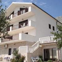 Apartments Mladina </h2 <div class=sr-card__item sr-card__item--badges <span class=bui-badge bui-badge--destructive Rasprodano! </span </div <div class=sr-card__item sr-card__item--red   <svg alt=Važne informacije class=bk-icon -iconset-warning sr_svg__card_icon fill=#E21111 height=12 width=12<use xlink:href=#icon-iconset-warning</use</svg <div class= sr-card__item__content   Zakasnili ste! U ovom objektu više nema raspoloživih jedinica. </div </div </div </div </a <div data-expanded-content class=u-padding:8 u-text-align:center js-sr-card-footer g-hidden <div class=c-alert c-alert--deconstructive u-font-size:12 u-margin:0 js-soldout-alert<div class=u-font-weight:bold u-margin-bottom:4 U objektu Apartments Mladina na odabrane datume nemamo raspoloživog smještaja. </div <button type=button class=c-chip u-margin:0 u-margin-top:10 u-width:100% card-not-available__button card-not-available__button_next js-next-available-dates-button <span class=c-chip__title Prikaži sljedeće dostupne datume </span </button <button type=button class=c-chip u-margin:0 u-margin-top:10 u-width:100% card-not-available__button u-color:grey card-not-available__button_loading <span class=c-chip__title Učitavanje… </span </button </div<a href=/hotel/hr/apartments-mladina.hr.html?label=gen173nr-1FCAQoggJCCmRpc3RyaWN0X1hIEFgEaOQBiAEBmAEQuAEYyAEF2AEB6AEB-AEDiAIBqAIEuAKzoLbpBcACAQ&sid=b41b61f20a1e6384df0715255ed60a43&checkin=2019-07-26&checkout=2019-07-27&dest_type=district&hapos=1&hpos=1&nflt=pri%3D&soh=1&sr_order=price&srepoch=1563267123&srpvid=11443e59f1a50189&ucfs=1&bhgwe_bhr=0;soh=1 class=card-not-available__link u-display:block u-text-decoration:none  target=_blank  Svejedno prikaži objekt</a</div </li <div data-et-view=YdXfCDWOOWNTUMKHcWIbVTeMAFQZHT:1</div <div data-et-view=cJaQWPWNEQEDSVWe:1</div <li id=hotel_1578943 data-is-in-favourites=0 data-hotel-id='1578943' class=sr-card sr-card--arrow bui-card bui-u-bleed@small js-sr-card m_sr_info_icons card-halved card-halved--active   <a href=/hotel/hr/apartments-salov.hr.html?label=gen173nr-1FCAQoggJCCmRpc3RyaWN0X1hIEFgEaOQBiAEBmAEQuAEYyAEF2AEB6AEB-AEDiAIBqAIEuAKzoLbpBcACAQ&sid=b41b61f20a1e6384df0715255ed60a43&all_sr_blocks=157894302_99861876_2_0_0&checkin=2019-07-26&checkout=2019-07-27&dest_type=district&hapos=2&highlighted_blocks=157894302_99861876_2_0_0&hpos=2&nflt=pri%3D&sr_order=price&srepoch=1563267123&srpvid=11443e59f1a50189&ucfs=1&bhgwe_bhr=0&matching_block_id=157894302_99861876_2_0_0&ref_is_wl=1&srhp=1 target=_blank class=sr-card__row bui-card__content data-et-click=customGoal: aria-label=  Apartments Salov,  Ocijenjeno s 8.6 ,  TL 161    <div class=sr-card__image js-sr_simple_card_hotel_image has-debolded-deal js-lazy-image sr-card__image--lazy data-src=https://r-ak.bstatic.com/xdata/images/hotel/square200/58511982.jpg?k=5c202e3a0316788a950209979a0489c5b6fa8edc26ff6fe7099002cf203d45d1&o=&s=1,https://q-ak.bstatic.com/xdata/images/hotel/max1024x768/58511982.jpg?k=d70df3f07ea47334379560d36f893afa73724af8c05bdb3398177de7170c56a0&o=&s=1  <div class=sr-card__image-inner css-loading-hidden <div class=sr-card__quick-preview style=display: none;<div</div</div </div <noscript <div class=sr-card__image--nojs style=background-image: url('https://r-ak.bstatic.com/xdata/images/hotel/square200/58511982.jpg?k=5c202e3a0316788a950209979a0489c5b6fa8edc26ff6fe7099002cf203d45d1&o=&s=1')</div </noscript </div <div class=sr-card__details data-et-click=     <div class=m-wl-heart-container</div <div class=sr-card_details__inner <h2 class=sr-card__name u-margin:0 u-padding:0 data-ga-track=click data-ga-category=SR Card Click data-ga-action=Hotel name data-ga-label=book_window: 10 day(s)  Apartments Salov </h2 <div class=sr-card__item sr-card__item--badges <div class= sr-card__badge sr-card__badge--class u-margin:0  data-ga-track=click data-ga-category=SR Card Click data-ga-action=Hotel rating data-ga-label=book_window: 10 day(s)  <i class= bk-icon-wrapper bk-icon-stars star_track  title=3 zvjezdica  <svg aria-hidden=true class=bk-icon -sprite-ratings_stars_3 focusable=false height=10 width=32<use xlink:href=#icon-sprite-ratings_stars_3</use</svg                     <span class=invisible_spoken3 zvjezdica</span </i </div   <div style=padding: 2px 0  <div class=bui-review-score c-score bui-review-score--smaller <div class=bui-review-score__badge aria-label=Ocijenjeno s 8,6  8,6 </div <div class=bui-review-score__content <div class=bui-review-score__title Sjajan </div </div </div   </div </div <div class=sr-card__item sr-card__item--location  data-ga-track=click data-ga-category=SR Card Click data-ga-action=Hotel location data-ga-label=book_window: 10 day(s)  <svg alt=Lokacija objekta class=bk-icon -iconset-geo_pin sr_svg__card_icon height=12 width=12<use xlink:href=#icon-iconset-geo_pin</use</svg <div class= sr-card__item__content   , Marina •  od Split Centar </div </div </div <div class= sr-card__price sr-card__price--urgency m_sr_card__price_with_unit_name sr-card-color-constructive-dark  data-et-view=  OMOQcUFDCXSWAbDZAWe:1     <div class=m_sr_card__price_unit_name m_sr_card__price_small  Apartman - Prizemlje </div <div data-et-view=OMeRQSdYZVaPEbBBcACAddeBVOSPYFJC:1</div <div data-et-view=OMeRQSdYZVaPEbBBcACAddeBVOSPYFJC:4</div <div data-et-view=OMeRQSdYZVaPEbBBcACAddeBVOSPYFJC:6</div <div data-et-view=OMeRQSdYZVaPEbBBcACAddeBVOSPYFJC:6</div    <div class=sr_price_wrap    data-et-view=      <span class=sr-card__price-cheapest  data-ga-track=click data-ga-category=SR Card Click data-ga-action=Hotel price data-ga-label=book_window: 10 day(s)   TL 161 </span  </div       <div class=prd-taxes-and-fees-under-price  blockuid- charges-type-5 data-excl-charges-raw=64.29 data-cur-stage=5  porezi i naknade mogu se razlikovati </div     <p class=urgency_price   <span class=sr_simple_card_price_from sr_simple_card_price_includes--text data-ga-track=click data-ga-category=SR Card Click data-ga-action=Hotel price persuasion data-ga-label=book_window: 10 day(s) data-et-view=   Još samo <span class=sr-card__item--strong1</span! </span </p <div class=breakfast_included--constructive u-font-weight:bold  </div </div </div </a </li <div data-et-view=YdXfCDWOOWNTUMKHcWIbVTeMAFQZHT:1</div <div data-et-view=cJaQWPWNEQEDSVWe:1</div <li id=hotel_1688153 data-is-in-favourites=0 data-hotel-id='1688153' class=sr-card sr-card--arrow bui-card bui-u-bleed@small js-sr-card m_sr_info_icons card-halved card-halved--active   <a href=/hotel/hr/guest-house-brodarica.hr.html?label=gen173nr-1FCAQoggJCCmRpc3RyaWN0X1hIEFgEaOQBiAEBmAEQuAEYyAEF2AEB6AEB-AEDiAIBqAIEuAKzoLbpBcACAQ&sid=b41b61f20a1e6384df0715255ed60a43&all_sr_blocks=168815301_99383942_2_0_0&checkin=2019-07-26&checkout=2019-07-27&dest_type=district&hapos=3&highlighted_blocks=168815301_99383942_2_0_0&hpos=3&nflt=pri%3D&sr_order=price&srepoch=1563267123&srpvid=11443e59f1a50189&ucfs=1&matching_block_id=168815301_99383942_2_0_0&srhp=1&ref_is_wl=1 target=_blank class=sr-card__row bui-card__content data-et-click=customGoal: aria-label=  Guest house Brodarica,  Ocijenjeno s 6.8 ,  TL 193    <div class=sr-card__image js-sr_simple_card_hotel_image has-debolded-deal js-lazy-image sr-card__image--lazy data-src=https://q-ak.bstatic.com/xdata/images/hotel/square200/143805672.jpg?k=23461246bcbafbd0d922e772f0bc79a73e88ce375d5abab2c0747a8e5d4bdcdb&o=&s=1,https://r-ak.bstatic.com/xdata/images/hotel/max1024x768/143805672.jpg?k=2d0953c863ee69edd2881228c480fafcfb4a7efa5ae6aa0ee44ac9e989119400&o=&s=1  <div class=sr-card__image-inner css-loading-hidden <div class=sr-card__quick-preview style=display: none;<div</div</div </div <noscript <div class=sr-card__image--nojs style=background-image: url('https://q-ak.bstatic.com/xdata/images/hotel/square200/143805672.jpg?k=23461246bcbafbd0d922e772f0bc79a73e88ce375d5abab2c0747a8e5d4bdcdb&o=&s=1')</div </noscript </div <div class=sr-card__details data-et-click=     <div class=m-wl-heart-container</div <div class=sr-card_details__inner <h2 class=sr-card__name u-margin:0 u-padding:0 data-ga-track=click data-ga-category=SR Card Click data-ga-action=Hotel name data-ga-label=book_window: 10 day(s)  Guest house Brodarica </h2 <div class=sr-card__item sr-card__item--badges <div style=padding: 2px 0  <div class=bui-review-score c-score bui-review-score--smaller <div class=bui-review-score__badge aria-label=Ocijenjeno s 6,8  6,8 </div <div class=bui-review-score__content <div class=bui-review-score__title Ugodan </div </div </div   </div </div <div class=sr-card__item sr-card__item--location  data-ga-track=click data-ga-category=SR Card Click data-ga-action=Hotel location data-ga-label=book_window: 10 day(s)  <svg alt=Lokacija objekta class=bk-icon -iconset-geo_pin sr_svg__card_icon height=12 width=12<use xlink:href=#icon-iconset-geo_pin</use</svg <div class= sr-card__item__content   , Brodarica •  od Split Centar </div </div </div <div class= sr-card__price m_sr_card__price_with_unit_name sr-card-color-constructive-dark  data-et-view=  OMOQcUFDCXSWAbDZAWe:1     <div class=m_sr_card__price_unit_name m_sr_card__price_small  Dvokrevetna soba s bračnim krevetom i balkonom </div <div data-et-view=OMeRQSdYZVaPEbBBcACAddeBVOSPYFJC:1</div <div data-et-view=OMeRQSdYZVaPEbBBcACAddeBVOSPYFJC:4</div <div data-et-view=OMeRQSdYZVaPEbBBcACAddeBVOSPYFJC:5</div <div data-et-view=OMeRQSdYZVaPEbBBcACAddeBVOSPYFJC:6</div <div data-et-view=OMeRQSdYZVaPEbBBcACAddeBVOSPYFJC:6</div    <div class=sr_price_wrap   sr_simple_card_price--include-free-cancelation   data-et-view=      <span class=sr-card__price-cheapest  data-ga-track=click data-ga-category=SR Card Click data-ga-action=Hotel price data-ga-label=book_window: 10 day(s)   TL 193 </span  </div       <div class=prd-taxes-and-fees-under-price  blockuid- charges-type-5 data-excl-charges-raw= data-cur-stage=5  porezi i naknade mogu se razlikovati </div     <p class=urgency_price   <span class=sr_simple_card_price_from sr_simple_card_price_includes--text data-ga-track=click data-ga-category=SR Card Click data-ga-action=Hotel price persuasion data-ga-label=book_window: 10 day(s) data-et-view=   Još samo <span class=sr-card__item--strong1</span! </span </p <div class=breakfast_included--constructive u-font-weight:bold  </div  <p class=sr_simple_card_price_includes css-loading-hidden  <span <span class=sr-card__item--strongBESPLATNO otkazivanje</span </span </p <p class=sr_simple_card_price_includes css-loading-hidden  <span <span class=u-display-block u-font-weight-boldNEMA PLAĆANJA UNAPRIJED</span - platite u objektu </span </p  </div </div </a </li <div data-et-view=YdXfCDWOOWNTUMKHcWIbVTeMAFQZHT:1</div <div data-et-view=cJaQWPWNEQEDSVWe:1</div <li id=hotel_5252356 data-is-in-favourites=0 data-hotel-id='5252356' class=sr-card sr-card--arrow bui-card bui-u-bleed@small js-sr-card m_sr_info_icons card-halved card-halved--active   <a href=/hotel/hr/casper.hr.html?label=gen173nr-1FCAQoggJCCmRpc3RyaWN0X1hIEFgEaOQBiAEBmAEQuAEYyAEF2AEB6AEB-AEDiAIBqAIEuAKzoLbpBcACAQ&sid=b41b61f20a1e6384df0715255ed60a43&all_sr_blocks=525235603_184656415_2_0_0&checkin=2019-07-26&checkout=2019-07-27&dest_type=district&hapos=4&highlighted_blocks=525235603_184656415_2_0_0&hpos=4&nflt=pri%3D&sr_order=price&srepoch=1563267123&srpvid=11443e59f1a50189&ucfs=1&matching_block_id=525235603_184656415_2_0_0&srhp=1&ref_is_wl=1 target=_blank class=sr-card__row bui-card__content data-et-click=customGoal: aria-label=  Casper,  Ocijenjeno s 4.6 ,  TL 193    <div class=sr-card__image js-sr_simple_card_hotel_image has-debolded-deal js-lazy-image sr-card__image--lazy data-src=https://r-ak.bstatic.com/xdata/images/hotel/square200/205234496.jpg?k=b98a3733a8e1cf0cba2e2ce9d3bda7bdacef63f205a2ec5bc3aba1663547518d&o=&s=1,https://q-ak.bstatic.com/xdata/images/hotel/max1024x768/205234496.jpg?k=b57a7866c2fc935d9938bd6066cadf921841d7478c78d8ec5881e874e285a44e&o=&s=1  <div class=sr-card__image-inner css-loading-hidden <div class=sr-card__quick-preview style=display: none;<div</div</div </div <noscript <div class=sr-card__image--nojs style=background-image: url('https://r-ak.bstatic.com/xdata/images/hotel/square200/205234496.jpg?k=b98a3733a8e1cf0cba2e2ce9d3bda7bdacef63f205a2ec5bc3aba1663547518d&o=&s=1')</div </noscript </div <div class=sr-card__details data-et-click=     <div class=m-wl-heart-container</div <div class=sr-card_details__inner <h2 class=sr-card__name u-margin:0 u-padding:0 data-ga-track=click data-ga-category=SR Card Click data-ga-action=Hotel name data-ga-label=book_window: 10 day(s)  Casper </h2 <div class=sr-card__item sr-card__item--badges <div style=padding: 2px 0  <div class=bui-review-score c-score bui-review-score--smaller <div class=bui-review-score__badge aria-label=Ocijenjeno s 4,6  4,6 </div <div class=bui-review-score__content <div class=bui-review-score__title Razočaravajući </div </div </div   </div </div <div class=sr-card__item sr-card__item--location  data-ga-track=click data-ga-category=SR Card Click data-ga-action=Hotel location data-ga-label=book_window: 10 day(s)  <svg alt=Lokacija objekta class=bk-icon -iconset-geo_pin sr_svg__card_icon height=12 width=12<use xlink:href=#icon-iconset-geo_pin</use</svg <div class= sr-card__item__content   Split Centar </div </div </div <div class= sr-card__price m_sr_card__price_with_unit_name sr-card-color-constructive-dark  data-et-view=  OMOQcUFDCXSWAbDZAWe:1     <div class=m_sr_card__price_unit_name m_sr_card__price_small  Mješovita spavaonica sa 6 ležajeva </div <div data-et-view=OMeRQSdYZVaPEbBBcACAddeBVOSPYFJC:1</div <div data-et-view=OMeRQSdYZVaPEbBBcACAddeBVOSPYFJC:4</div <div data-et-view=OMeRQSdYZVaPEbBBcACAddeBVOSPYFJC:5</div <div data-et-view=OMeRQSdYZVaPEbBBcACAddeBVOSPYFJC:6</div <div data-et-view=OMeRQSdYZVaPEbBBcACAddeBVOSPYFJC:6</div    <div class=sr_price_wrap   sr_simple_card_price--include-free-cancelation   data-et-view=       <span class= sr-card__price-rack-rate  data-component=tooltip data-tooltip-text= data-deal-rack=rackrate data-discount=14 data-ga-track=click data-ga-category=SR Card Click data-ga-action=Rack rate data-ga-label=book_window: 10 day(s)  TL 225 </span   <span class=sr-card__price-cheapest  data-ga-track=click data-ga-category=SR Card Click data-ga-action=Hotel price data-ga-label=book_window: 10 day(s)   TL 193 </span  </div       <div class=prd-taxes-and-fees-under-price  blockuid- charges-type-2 data-excl-charges-raw=12.86 data-cur-stage=2  +TL 13 poreza i naknada  </div     <div class=breakfast_included--constructive u-font-weight:bold  </div  <p class=sr_simple_card_price_includes css-loading-hidden  <span <span class=sr-card__item--strongBESPLATNO otkazivanje</span </span </p <p class=sr_simple_card_price_includes css-loading-hidden  <span <span class=u-display-block u-font-weight-boldNEMA PLAĆANJA UNAPRIJED</span - platite u objektu </span </p  </div </div </a </li <div data-et-view=YdXfCDWOOWNTUMKHcWIbVTeMAFQZHT:1</div <div data-et-view=cJaQWPWNEQEDSVWe:1</div <li id=hotel_2237338 data-is-in-favourites=0 data-hotel-id='2237338' class=sr-card sr-card--arrow bui-card bui-u-bleed@small js-sr-card m_sr_info_icons card-halved card-halved--active   <a href=/hotel/hr/hostel-globo.hr.html?label=gen173nr-1FCAQoggJCCmRpc3RyaWN0X1hIEFgEaOQBiAEBmAEQuAEYyAEF2AEB6AEB-AEDiAIBqAIEuAKzoLbpBcACAQ&sid=b41b61f20a1e6384df0715255ed60a43&all_sr_blocks=223733805_116140271_1_0_0%2C223733805_116140271_1_0_0&checkin=2019-07-26&checkout=2019-07-27&dest_type=district&hapos=5&highlighted_blocks=223733805_116140271_1_0_0%2C223733805_116140271_1_0_0&hpos=5&nflt=pri%3D&sr_order=price&srepoch=1563267123&srpvid=11443e59f1a50189&ucfs=1&matching_block_id=223733805_116140271_1_0_0&srhp=1&ref_is_wl=1 target=_blank class=sr-card__row bui-card__content data-et-click=customGoal: aria-label=  Hostel Globo,  Ocijenjeno s 9.1 ,  TL 199    <div class=sr-card__image js-sr_simple_card_hotel_image has-debolded-deal js-lazy-image sr-card__image--lazy data-src=https://q-ak.bstatic.com/xdata/images/hotel/square200/134468565.jpg?k=02be45c686e7e593c92476579cef3831615df493d9cb0c29ef42cd10a2d9c49f&o=&s=1,https://r-ak.bstatic.com/xdata/images/hotel/max1024x768/134468565.jpg?k=d48507632b353058d85758b9a25397339183c107897bf08991197b5214bfd2ba&o=&s=1  <div class=sr-card__image-inner css-loading-hidden <div class=sr-card__quick-preview style=display: none;<div</div</div </div <noscript <div class=sr-card__image--nojs style=background-image: url('https://q-ak.bstatic.com/xdata/images/hotel/square200/134468565.jpg?k=02be45c686e7e593c92476579cef3831615df493d9cb0c29ef42cd10a2d9c49f&o=&s=1')</div </noscript </div <div class=sr-card__details data-et-click=     <div class=m-wl-heart-container</div <div class=sr-card_details__inner <h2 class=sr-card__name u-margin:0 u-padding:0 data-ga-track=click data-ga-category=SR Card Click data-ga-action=Hotel name data-ga-label=book_window: 10 day(s)  Hostel Globo </h2 <div class=sr-card__item sr-card__item--badges <div class=m-badge m-badge__preferred m-badge__preferred--moved m-badge__preferred--small <svg aria-hidden=true class=bk-icon -iconset-thumbs_up_square  pp-icon-valign--inherit fill=#FEBB02 height=20 rel=300 title= Ovaj je objekt Prioritetan partner. Predano radi na pozitivnom iskustvu gostiju zahvaljujući svojoj izvrsnoj usluzi i dobroj vrijednosti za novac. Objekt možda Booking.com-u plaća malo više kako bi mogao sudjelovati u ovom programu.   width=20<use xlink:href=#icon-iconset-thumbs_up_square</use</svg <span class=invisible_spokenOvaj je objekt Prioritetan partner. Predano radi na pozitivnom iskustvu gostiju zahvaljujući svojoj izvrsnoj usluzi i dobroj vrijednosti za novac. Objekt možda Booking.com-u plaća malo više kako bi mogao sudjelovati u ovom programu.</span </div <div style=padding: 2px 0  <div class=bui-review-score c-score bui-review-score--smaller <div class=bui-review-score__badge aria-label=Ocijenjeno s 9,1  9,1 </div <div class=bui-review-score__content <div class=bui-review-score__title Izvanredan </div </div </div   </div </div <div class=sr-card__item sr-card__item--location  data-ga-track=click data-ga-category=SR Card Click data-ga-action=Hotel location data-ga-label=book_window: 10 day(s)  <svg alt=Lokacija objekta class=bk-icon -iconset-geo_pin sr_svg__card_icon height=12 width=12<use xlink:href=#icon-iconset-geo_pin</use</svg <div class= sr-card__item__content   , Šibenik •  od Split Centar </div </div </div <div class= sr-card__price m_sr_card__price_with_unit_name sr-card-color-constructive-dark  data-et-view=  OMOQcUFDCXSWAbDZAWe:1     <div class=m_sr_card__price_unit_name m_sr_card__price_small  2 x Krevet u mješovitoj spavaonici s 10 kreveta </div <div data-et-view=OMeRQSdYZVaPEbBBcACAddeBVOSPYFJC:1</div <div data-et-view=OMeRQSdYZVaPEbBBcACAddeBVOSPYFJC:4</div <div data-et-view=OMeRQSdYZVaPEbBBcACAddeBVOSPYFJC:5</div <div data-et-view=OMeRQSdYZVaPEbBBcACAddeBVOSPYFJC:6</div <div data-et-view=OMeRQSdYZVaPEbBBcACAddeBVOSPYFJC:6</div    <div class=sr_price_wrap   sr_simple_card_price--include-free-cancelation   data-et-view=      <span class=sr-card__price-cheapest  data-ga-track=click data-ga-category=SR Card Click data-ga-action=Hotel price data-ga-label=book_window: 10 day(s)   TL 199 </span  </div       <div class=prd-taxes-and-fees-under-price  blockuid- charges-type-5 data-excl-charges-raw= data-cur-stage=5  porezi i naknade mogu se razlikovati </div     <div class=breakfast_included--constructive u-font-weight:bold  </div  <p class=sr_simple_card_price_includes css-loading-hidden  <span <span class=sr-card__item--strongBESPLATNO otkazivanje</span </span </p <p class=sr_simple_card_price_includes css-loading-hidden  <span <span class=u-display-block u-font-weight-boldNEMA PLAĆANJA UNAPRIJED</span - platite u objektu </span </p  </div </div </a </li <div data-et-view=YdXfCDWOOWNTUMKHcWIbVTeMAFQZHT:1</div <div data-et-view=cJaQWPWNEQEDSVWe:1</div <li id=hotel_5195440 data-is-in-favourites=0 data-hotel-id='5195440' class=sr-card sr-card--arrow bui-card bui-u-bleed@small js-sr-card m_sr_info_icons card-halved card-halved--active   <a href=/hotel/hr/guest-house-royal-split.hr.html?label=gen173nr-1FCAQoggJCCmRpc3RyaWN0X1hIEFgEaOQBiAEBmAEQuAEYyAEF2AEB6AEB-AEDiAIBqAIEuAKzoLbpBcACAQ&sid=b41b61f20a1e6384df0715255ed60a43&all_sr_blocks=519544004_181482942_1_2_0%2C519544004_181482942_1_2_0&checkin=2019-07-26&checkout=2019-07-27&dest_type=district&hapos=6&highlighted_blocks=519544004_181482942_1_2_0%2C519544004_181482942_1_2_0&hpos=6&nflt=pri%3D&sr_order=price&srepoch=1563267123&srpvid=11443e59f1a50189&ucfs=1&matching_block_id=519544004_181482942_1_0_0&ref_is_wl=1&srhp=1 target=_blank class=sr-card__row bui-card__content data-et-click=customGoal: aria-label=  Guest house Royal,  Ocijenjeno s 5.7 ,  TL 206    <div class=sr-card__image js-sr_simple_card_hotel_image has-debolded-deal js-lazy-image sr-card__image--lazy data-src=https://r-ak.bstatic.com/xdata/images/hotel/square200/208478229.jpg?k=3b019981c8da997f136ce16be430513d947d12817856e9fd959b78b91afdbf4f&o=&s=1,https://q-ak.bstatic.com/xdata/images/hotel/max1024x768/208478229.jpg?k=01d97e11d8563b4c2f4648a82d55519067afe411b7a3b3542ed3eea7b497cc4b&o=&s=1  <div class=sr-card__image-inner css-loading-hidden <div class=sr-card__quick-preview style=display: none;<div</div</div </div <noscript <div class=sr-card__image--nojs style=background-image: url('https://r-ak.bstatic.com/xdata/images/hotel/square200/208478229.jpg?k=3b019981c8da997f136ce16be430513d947d12817856e9fd959b78b91afdbf4f&o=&s=1')</div </noscript </div <div class=sr-card__details data-et-click=     <div class=m-wl-heart-container</div <div class=sr-card_details__inner <h2 class=sr-card__name u-margin:0 u-padding:0 data-ga-track=click data-ga-category=SR Card Click data-ga-action=Hotel name data-ga-label=book_window: 10 day(s)  Guest house Royal </h2 <div class=sr-card__item sr-card__item--badges <div style=padding: 2px 0  <div class=bui-review-score c-score bui-review-score--smaller <div class=bui-review-score__badge aria-label=Ocijenjeno s 5,7  5,7 </div <div class=bui-review-score__content <div class=bui-review-score__title OK </div </div </div   </div </div <div class=sr-card__item sr-card__item--location  data-ga-track=click data-ga-category=SR Card Click data-ga-action=Hotel location data-ga-label=book_window: 10 day(s)  <svg alt=Lokacija objekta class=bk-icon -iconset-geo_pin sr_svg__card_icon height=12 width=12<use xlink:href=#icon-iconset-geo_pin</use</svg <div class= sr-card__item__content   Bačvice, Split •  od Split Centar </div </div <div class=sr-card__item    <svg alt= class=bk-icon -iconset-clock sr_svg__card_icon height=12 width=12<use xlink:href=#icon-iconset-clock</use</svg <div class= sr-card__item__content   Posljednji put rezervirano na vaše datume prije 1 dan </div </div </div <div class= sr-card__price m_sr_card__price_with_unit_name sr-card-color-constructive-dark  data-et-view=  OMOQcUFDCXSWAbDZAWe:1     <div class=m_sr_card__price_unit_name m_sr_card__price_small  2 x Krevet na kat u mješovitoj spavaonici </div <div data-et-view=OMeRQSdYZVaPEbBBcACAddeBVOSPYFJC:1</div <div data-et-view=OMeRQSdYZVaPEbBBcACAddeBVOSPYFJC:4</div <div data-et-view=OMeRQSdYZVaPEbBBcACAddeBVOSPYFJC:5</div <div data-et-view=OMeRQSdYZVaPEbBBcACAddeBVOSPYFJC:6</div <div data-et-view=OMeRQSdYZVaPEbBBcACAddeBVOSPYFJC:6</div    <div class=sr_price_wrap   sr_simple_card_price--include-free-cancelation   data-et-view=      <span class=sr-card__price-cheapest  data-ga-track=click data-ga-category=SR Card Click data-ga-action=Hotel price data-ga-label=book_window: 10 day(s)   TL 206 </span  </div       <div class=prd-taxes-and-fees-under-price  blockuid- charges-type-2 data-excl-charges-raw=12.86 data-cur-stage=2  +TL 13 poreza i naknada  </div     <div class=breakfast_included--constructive u-font-weight:bold  </div  <p class=sr_simple_card_price_includes css-loading-hidden  <span <span class=sr-card__item--strongBESPLATNO otkazivanje</span </span </p <p class=sr_simple_card_price_includes css-loading-hidden  <span <span class=u-display-block u-font-weight-boldNEMA PLAĆANJA UNAPRIJED</span - platite u objektu </span </p  </div </div </a </li <div data-et-view=YdXfCDWOOWNTUMKHcWIbVTeMAFQZHT:1</div <div data-et-view=cJaQWPWNEQEDSVWe:1</div <li id=hotel_2407379 data-is-in-favourites=0 data-hotel-id='2407379' class=sr-card sr-card--arrow bui-card bui-u-bleed@small js-sr-card m_sr_info_icons card-halved card-halved--active   <a href=/hotel/hr/dioklecijan-delux.hr.html?label=gen173nr-1FCAQoggJCCmRpc3RyaWN0X1hIEFgEaOQBiAEBmAEQuAEYyAEF2AEB6AEB-AEDiAIBqAIEuAKzoLbpBcACAQ&sid=b41b61f20a1e6384df0715255ed60a43&all_sr_blocks=240737902_161162345_1_0_0%2C240737902_161162345_1_0_0&checkin=2019-07-26&checkout=2019-07-27&dest_type=district&hapos=7&highlighted_blocks=240737902_161162345_1_0_0%2C240737902_161162345_1_0_0&hpos=7&nflt=pri%3D&sr_order=price&srepoch=1563267123&srpvid=11443e59f1a50189&ucfs=1&matching_block_id=240737902_161162345_1_0_0&ref_is_wl=1&srhp=1 target=_blank class=sr-card__row bui-card__content data-et-click=customGoal: aria-label=  Dioklecijan delux,  Ocijenjeno s 8.2 ,  TL 212    <div class=sr-card__image js-sr_simple_card_hotel_image has-debolded-deal js-lazy-image sr-card__image--lazy data-src=https://r-ak.bstatic.com/xdata/images/hotel/square200/103003440.jpg?k=f4d7102a085aba29fc88bc223bdd84e51d323c5bf099662b918309db0a1a55ac&o=&s=1,https://q-ak.bstatic.com/xdata/images/hotel/max1024x768/103003440.jpg?k=7197539319ece4bf06a69a2030835fe1c4fc5e26d8dc9dcb50c08526ef17e01c&o=&s=1  <div class=sr-card__image-inner css-loading-hidden <div class=sr-card__quick-preview style=display: none;<div</div</div </div <noscript <div class=sr-card__image--nojs style=background-image: url('https://r-ak.bstatic.com/xdata/images/hotel/square200/103003440.jpg?k=f4d7102a085aba29fc88bc223bdd84e51d323c5bf099662b918309db0a1a55ac&o=&s=1')</div </noscript </div <div class=sr-card__details data-et-click=     <div class=m-wl-heart-container</div <div class=sr-card_details__inner <h2 class=sr-card__name u-margin:0 u-padding:0 data-ga-track=click data-ga-category=SR Card Click data-ga-action=Hotel name data-ga-label=book_window: 10 day(s)  Dioklecijan delux </h2 <div class=sr-card__item sr-card__item--badges <div style=padding: 2px 0  <div class=bui-review-score c-score bui-review-score--smaller <div class=bui-review-score__badge aria-label=Ocijenjeno s 8,2  8,2 </div <div class=bui-review-score__content <div class=bui-review-score__title Vrlo dobar </div </div </div   </div </div <div class=sr-card__item sr-card__item--location  data-ga-track=click data-ga-category=SR Card Click data-ga-action=Hotel location data-ga-label=book_window: 10 day(s)  <svg alt=Lokacija objekta class=bk-icon -iconset-geo_pin sr_svg__card_icon height=12 width=12<use xlink:href=#icon-iconset-geo_pin</use</svg <div class= sr-card__item__content   Žnjan, Split •  od Split Centar </div </div </div <div class= sr-card__price m_sr_card__price_with_unit_name sr-card-color-constructive-dark  data-et-view=  OMOQcUFDCXSWAbDZAWe:1     <div class=m_sr_card__price_unit_name m_sr_card__price_small  2 x Krevet u zajedničkoj spavaonici sa 6 kreveta </div <div data-et-view=OMeRQSdYZVaPEbBBcACAddeBVOSPYFJC:1</div <div data-et-view=OMeRQSdYZVaPEbBBcACAddeBVOSPYFJC:4</div <div data-et-view=OMeRQSdYZVaPEbBBcACAddeBVOSPYFJC:6</div <div data-et-view=OMeRQSdYZVaPEbBBcACAddeBVOSPYFJC:6</div    <div class=sr_price_wrap    data-et-view=      <span class=sr-card__price-cheapest  data-ga-track=click data-ga-category=SR Card Click data-ga-action=Hotel price data-ga-label=book_window: 10 day(s)   TL 212 </span  </div       <div class=prd-taxes-and-fees-under-price  blockuid- charges-type-2 data-excl-charges-raw=12.86 data-cur-stage=2  +TL 13 poreza i naknada  </div     <div class=breakfast_included--constructive u-font-weight:bold  </div </div </div </a </li <div data-et-view=YdXfCDWOOWNTUMKHcWIbVTeMAFQZHT:1</div <div data-et-view=cJaQWPWNEQEDSVWe:1</div <li id=hotel_5351477 data-is-in-favourites=0 data-hotel-id='5351477' class=sr-card sr-card--arrow bui-card bui-u-bleed@small js-sr-card m_sr_info_icons card-halved card-halved--active   <a href=/hotel/hr/flower-double-room-split-dugopolje-dugopolje.hr.html?label=gen173nr-1FCAQoggJCCmRpc3RyaWN0X1hIEFgEaOQBiAEBmAEQuAEYyAEF2AEB6AEB-AEDiAIBqAIEuAKzoLbpBcACAQ&sid=b41b61f20a1e6384df0715255ed60a43&all_sr_blocks=535147701_189566200_0_0_0&checkin=2019-07-26&checkout=2019-07-27&dest_type=district&hapos=8&highlighted_blocks=535147701_189566200_0_0_0&hpos=8&nflt=pri%3D&sr_order=price&srepoch=1563267123&srpvid=11443e59f1a50189&ucfs=1&matching_block_id=535147701_189566200_2_0_0&ref_is_wl=1&srhp=1 target=_blank class=sr-card__row bui-card__content data-et-click=customGoal: aria-label=  Flower Double Room SPLIT - Dugopolje,  TL 220    <div class=sr-card__image js-sr_simple_card_hotel_image has-debolded-deal js-lazy-image sr-card__image--lazy data-src=https://q-ak.bstatic.com/xdata/images/hotel/square200/208769675.jpg?k=2eb026035b5eddbaba1ccc5afb2e6c70e0aee98025bc7c6e071b115aeaa62bb3&o=&s=1,https://r-ak.bstatic.com/xdata/images/hotel/max1024x768/208769675.jpg?k=1b8bcd5c811bbb1991357be1e49a28d8f6eaa9df92d11ae0399ff2b88de7cbeb&o=&s=1  <div class=sr-card__image-inner css-loading-hidden <div class=sr-card__quick-preview style=display: none;<div</div</div </div <noscript <div class=sr-card__image--nojs style=background-image: url('https://q-ak.bstatic.com/xdata/images/hotel/square200/208769675.jpg?k=2eb026035b5eddbaba1ccc5afb2e6c70e0aee98025bc7c6e071b115aeaa62bb3&o=&s=1')</div </noscript </div <div class=sr-card__details data-et-click=     <div class=m-wl-heart-container</div <div class=sr-card_details__inner <h2 class=sr-card__name u-margin:0 u-padding:0 data-ga-track=click data-ga-category=SR Card Click data-ga-action=Hotel name data-ga-label=book_window: 10 day(s)  Flower Double Room SPLIT - Dugopolje </h2 <div class=sr-card__item sr-card__item--badges <div style=padding: 2px 0    </div </div <div class=sr-card__item sr-card__item--location  data-ga-track=click data-ga-category=SR Card Click data-ga-action=Hotel location data-ga-label=book_window: 10 day(s)  <svg alt=Lokacija objekta class=bk-icon -iconset-geo_pin sr_svg__card_icon height=12 width=12<use xlink:href=#icon-iconset-geo_pin</use</svg <div class= sr-card__item__content   , Dugopolje •  od Split Centar </div </div </div <div class= sr-card__price sr-card__price--urgency m_sr_card__price_with_unit_name sr-card-color-constructive-dark  data-et-view=  OMOQcUFDCXSWAbDZAWe:1     <div class=m_sr_card__price_unit_name m_sr_card__price_small  Standardna dvokrevetna soba s bračnim krevetom </div <div data-et-view=OMeRQSdYZVaPEbBBcACAddeBVOSPYFJC:1</div <div data-et-view=OMeRQSdYZVaPEbBBcACAddeBVOSPYFJC:4</div <div data-et-view=OMeRQSdYZVaPEbBBcACAddeBVOSPYFJC:6</div <div data-et-view=OMeRQSdYZVaPEbBBcACAddeBVOSPYFJC:6</div    <div class=sr_price_wrap    data-et-view=      <span class=sr-card__price-cheapest  data-ga-track=click data-ga-category=SR Card Click data-ga-action=Hotel price data-ga-label=book_window: 10 day(s)   TL 220 </span  </div       <div class=prd-taxes-and-fees-under-price  blockuid- charges-type-1 data-excl-charges-raw= data-cur-stage=1  uključujući poreze i naknade </div     <p class=urgency_price   <span class=sr_simple_card_price_from sr_simple_card_price_includes--text data-ga-track=click data-ga-category=SR Card Click data-ga-action=Hotel price persuasion data-ga-label=book_window: 10 day(s) data-et-view=   Još samo <span class=sr-card__item--strong1</span! </span </p <div class=breakfast_included--constructive u-font-weight:bold  </div </div </div </a </li <div data-et-view=YdXfCDWOOWNTUMKHcWIbVTeMAFQZHT:1</div <div data-et-view=cJaQWPWNEQEDSVWe:1</div <li id=hotel_2438089 data-is-in-favourites=0 data-hotel-id='2438089' class=sr-card sr-card--arrow bui-card bui-u-bleed@small js-sr-card m_sr_info_icons card-halved card-halved--active   <a href=/hotel/hr/rooms-in-the-heart-of-the-olw-town-sibenik.hr.html?label=gen173nr-1FCAQoggJCCmRpc3RyaWN0X1hIEFgEaOQBiAEBmAEQuAEYyAEF2AEB6AEB-AEDiAIBqAIEuAKzoLbpBcACAQ&sid=b41b61f20a1e6384df0715255ed60a43&all_sr_blocks=243808902_143299739_2_0_0&checkin=2019-07-26&checkout=2019-07-27&dest_type=district&hapos=9&highlighted_blocks=243808902_143299739_2_0_0&hpos=9&nflt=pri%3D&sr_order=price&srepoch=1563267123&srpvid=11443e59f1a50189&ucfs=1&matching_block_id=243808902_143299739_2_0_0&srhp=1&ref_is_wl=1 target=_blank class=sr-card__row bui-card__content data-et-click=customGoal: aria-label=  Rooms in the heart of the old town &Scaron;ibenik,  Ocijenjeno s 9 ,  TL 225    <div class=sr-card__image js-sr_simple_card_hotel_image has-debolded-deal js-lazy-image sr-card__image--lazy data-src=https://r-ak.bstatic.com/xdata/images/hotel/square200/101236787.jpg?k=4e7f816ba4e04804495c607a2028f098a31ad249fe0a5236c01750bda6ec15e7&o=&s=1,https://r-ak.bstatic.com/xdata/images/hotel/max1024x768/101236787.jpg?k=2be7c92bffd2fa86ce0f948f6282ebdd6a25de99fb6c856106d50ac27e8e89d0&o=&s=1  <div class=sr-card__image-inner css-loading-hidden <div class=sr-card__quick-preview style=display: none;<div</div</div </div <noscript <div class=sr-card__image--nojs style=background-image: url('https://r-ak.bstatic.com/xdata/images/hotel/square200/101236787.jpg?k=4e7f816ba4e04804495c607a2028f098a31ad249fe0a5236c01750bda6ec15e7&o=&s=1')</div </noscript </div <div class=sr-card__details data-et-click=     <div class=m-wl-heart-container</div <div class=sr-card_details__inner <h2 class=sr-card__name u-margin:0 u-padding:0 data-ga-track=click data-ga-category=SR Card Click data-ga-action=Hotel name data-ga-label=book_window: 10 day(s)  Rooms in the heart of the old town Šibenik </h2 <div class=sr-card__item sr-card__item--badges <div class= sr-card__badge sr-card__badge--class u-margin:0  data-ga-track=click data-ga-category=SR Card Click data-ga-action=Hotel rating data-ga-label=book_window: 10 day(s)  <i class= bk-icon-wrapper bk-icon-stars star_track  title=2 zvjezdica  <svg aria-hidden=true class=bk-icon -sprite-ratings_stars_2 focusable=false height=10 width=21<use xlink:href=#icon-sprite-ratings_stars_2</use</svg                     <span class=invisible_spoken2 zvjezdica</span </i </div   <div style=padding: 2px 0  <div class=bui-review-score c-score bui-review-score--smaller <div class=bui-review-score__badge aria-label=Ocijenjeno s 9,0  9,0 </div <div class=bui-review-score__content <div class=bui-review-score__title Izvanredan </div </div </div   </div </div <div class=sr-card__item sr-card__item--location  data-ga-track=click data-ga-category=SR Card Click data-ga-action=Hotel location data-ga-label=book_window: 10 day(s)  <svg alt=Lokacija objekta class=bk-icon -iconset-geo_pin sr_svg__card_icon height=12 width=12<use xlink:href=#icon-iconset-geo_pin</use</svg <div class= sr-card__item__content   Stari grad Šibenik •  od Split Centar </div </div </div <div class= sr-card__price m_sr_card__price_with_unit_name sr-card-color-constructive-dark  data-et-view=  OMOQcUFDCXSWAbDZAWe:1     <div class=m_sr_card__price_unit_name m_sr_card__price_small  Niskobudžetna soba s 2 odvojena kreveta  </div <div data-et-view=OMeRQSdYZVaPEbBBcACAddeBVOSPYFJC:1</div <div data-et-view=OMeRQSdYZVaPEbBBcACAddeBVOSPYFJC:4</div <div data-et-view=OMeRQSdYZVaPEbBBcACAddeBVOSPYFJC:5</div <div data-et-view=OMeRQSdYZVaPEbBBcACAddeBVOSPYFJC:6</div <div data-et-view=OMeRQSdYZVaPEbBBcACAddeBVOSPYFJC:6</div    <div class=sr_price_wrap   sr_simple_card_price--include-free-cancelation   data-et-view=      <span class=sr-card__price-cheapest  data-ga-track=click data-ga-category=SR Card Click data-ga-action=Hotel price data-ga-label=book_window: 10 day(s)   TL 225 </span  </div       <div class=prd-taxes-and-fees-under-price  blockuid- charges-type-1 data-excl-charges-raw= data-cur-stage=1  uključujući poreze i naknade </div     <p class=urgency_price   <span class=sr_simple_card_price_from sr_simple_card_price_includes--text data-ga-track=click data-ga-category=SR Card Click data-ga-action=Hotel price persuasion data-ga-label=book_window: 10 day(s) data-et-view=   Još samo <span class=sr-card__item--strong1</span! </span </p <div class=breakfast_included--constructive u-font-weight:bold  </div <p class=sr_simple_card_price_includes css-loading-hidden  <span <span class=sr-card__item--strongBESPLATNO</span otkazivanje </span </p </div </div </a </li <div data-et-view=YdXfCDWOOWNTUMKHcWIbVTeMAFQZHT:1</div <div data-et-view=cJaQWPWNEQEDSVWe:1</div <li id=hotel_2167457 data-is-in-favourites=0 data-hotel-id='2167457' class=sr-card sr-card--arrow bui-card bui-u-bleed@small js-sr-card m_sr_info_icons card-halved card-halved--active   <a href=/hotel/hr/apartments-lada-sibenik.hr.html?label=gen173nr-1FCAQoggJCCmRpc3RyaWN0X1hIEFgEaOQBiAEBmAEQuAEYyAEF2AEB6AEB-AEDiAIBqAIEuAKzoLbpBcACAQ&sid=b41b61f20a1e6384df0715255ed60a43&all_sr_blocks=216745703_116806353_2_0_0&checkin=2019-07-26&checkout=2019-07-27&dest_type=district&hapos=10&highlighted_blocks=216745703_116806353_2_0_0&hpos=10&nflt=pri%3D&sr_order=price&srepoch=1563267123&srpvid=11443e59f1a50189&ucfs=1&bhgwe_bhr=0&matching_block_id=216745703_116806353_2_0_0&ref_is_wl=1&srhp=1 target=_blank class=sr-card__row bui-card__content data-et-click=customGoal: aria-label=  Apartments &amp; Rooms Lada,  Ocijenjeno s 7.3 ,  TL 225    <div class=sr-card__image js-sr_simple_card_hotel_image has-debolded-deal js-lazy-image sr-card__image--lazy data-src=https://r-ak.bstatic.com/xdata/images/hotel/square200/91596701.jpg?k=fb600758bd044639eb1530ddf259f5da561c0449a45d422e8a019493a3830bb1&o=&s=1,https://r-ak.bstatic.com/xdata/images/hotel/max1024x768/91596701.jpg?k=cceb0079c0ee6bccd1dd5f74a7defb85249ebcdd70d32d8e8b63ada0af31ee9e&o=&s=1  <div class=sr-card__image-inner css-loading-hidden <div class=sr-card__quick-preview style=display: none;<div</div</div </div <noscript <div class=sr-card__image--nojs style=background-image: url('https://r-ak.bstatic.com/xdata/images/hotel/square200/91596701.jpg?k=fb600758bd044639eb1530ddf259f5da561c0449a45d422e8a019493a3830bb1&o=&s=1')</div </noscript </div <div class=sr-card__details data-et-click=     <div class=m-wl-heart-container</div <div class=sr-card_details__inner <h2 class=sr-card__name u-margin:0 u-padding:0 data-ga-track=click data-ga-category=SR Card Click data-ga-action=Hotel name data-ga-label=book_window: 10 day(s)  Apartments & Rooms Lada </h2 <div class=sr-card__item sr-card__item--badges <div class= sr-card__badge sr-card__badge--class u-margin:0  data-ga-track=click data-ga-category=SR Card Click data-ga-action=Hotel rating data-ga-label=book_window: 10 day(s)  <i class= bk-icon-wrapper bk-icon-stars star_track  title=3 zvjezdica  <svg aria-hidden=true class=bk-icon -sprite-ratings_stars_3 focusable=false height=10 width=32<use xlink:href=#icon-sprite-ratings_stars_3</use</svg                     <span class=invisible_spoken3 zvjezdica</span </i </div   <div style=padding: 2px 0  <div class=bui-review-score c-score bui-review-score--smaller <div class=bui-review-score__badge aria-label=Ocijenjeno s 7,3  7,3 </div <div class=bui-review-score__content <div class=bui-review-score__title Dobar </div </div </div   </div </div <div class=sr-card__item sr-card__item--location  data-ga-track=click data-ga-category=SR Card Click data-ga-action=Hotel location data-ga-label=book_window: 10 day(s)  <svg alt=Lokacija objekta class=bk-icon -iconset-geo_pin sr_svg__card_icon height=12 width=12<use xlink:href=#icon-iconset-geo_pin</use</svg <div class= sr-card__item__content   , Šibenik •  od Split Centar </div </div </div <div class= sr-card__price m_sr_card__price_with_unit_name sr-card-color-constructive-dark  data-et-view=  OMOQcUFDCXSWAbDZAWe:1     <div class=m_sr_card__price_unit_name m_sr_card__price_small  Dvokrevetna soba s bračnim krevetom i pristupom zajedničkoj kupaonici </div <div data-et-view=OMeRQSdYZVaPEbBBcACAddeBVOSPYFJC:1</div <div data-et-view=OMeRQSdYZVaPEbBBcACAddeBVOSPYFJC:4</div <div data-et-view=OMeRQSdYZVaPEbBBcACAddeBVOSPYFJC:5</div <div data-et-view=OMeRQSdYZVaPEbBBcACAddeBVOSPYFJC:6</div <div data-et-view=OMeRQSdYZVaPEbBBcACAddeBVOSPYFJC:6</div    <div class=sr_price_wrap   sr_simple_card_price--include-free-cancelation   data-et-view=      <span class=sr-card__price-cheapest  data-ga-track=click data-ga-category=SR Card Click data-ga-action=Hotel price data-ga-label=book_window: 10 day(s)   TL 225 </span  </div       <div class=prd-taxes-and-fees-under-price  blockuid- charges-type-1 data-excl-charges-raw= data-cur-stage=1  uključujući poreze i naknade </div     <p class=urgency_price   <span class=sr_simple_card_price_from sr_simple_card_price_includes--text data-ga-track=click data-ga-category=SR Card Click data-ga-action=Hotel price persuasion data-ga-label=book_window: 10 day(s) data-et-view=   Još samo <span class=sr-card__item--strong1</span! </span </p <div class=breakfast_included--constructive u-font-weight:bold  </div <p class=sr_simple_card_price_includes css-loading-hidden  <span <span class=sr-card__item--strongBESPLATNO</span otkazivanje </span </p </div </div </a </li <div data-et-view=YdXfCDWOOWNTUMKHcWIbVTeMAFQZHT:1</div <div data-et-view=cJaQWPWNEQEDSVWe:1</div <li id=hotel_2392903 data-is-in-favourites=0 data-hotel-id='2392903' class=sr-card sr-card--arrow bui-card bui-u-bleed@small js-sr-card m_sr_info_icons card-halved card-halved--active   <a href=/hotel/hr/sunshine-split.hr.html?label=gen173nr-1FCAQoggJCCmRpc3RyaWN0X1hIEFgEaOQBiAEBmAEQuAEYyAEF2AEB6AEB-AEDiAIBqAIEuAKzoLbpBcACAQ&sid=b41b61f20a1e6384df0715255ed60a43&all_sr_blocks=239290302_106586870_2_0_0&checkin=2019-07-26&checkout=2019-07-27&dest_type=district&hapos=11&highlighted_blocks=239290302_106586870_2_0_0&hpos=11&nflt=pri%3D&sr_order=price&srepoch=1563267123&srpvid=11443e59f1a50189&ucfs=1&bhgwe_bhr=0&matching_block_id=239290302_106586870_2_0_0&ref_is_wl=1&srhp=1 target=_blank class=sr-card__row bui-card__content data-et-click=customGoal: aria-label=  Sunshine Beach,  Ocijenjeno s 6.6 ,  TL 225    <div class=sr-card__image js-sr_simple_card_hotel_image has-debolded-deal js-lazy-image sr-card__image--lazy data-src=https://r-ak.bstatic.com/xdata/images/hotel/square200/159384261.jpg?k=5bd085187cc40330bc9c08b8be132e585b9c977abf6a3a67c1b8cd6d3554efe2&o=&s=1,https://q-ak.bstatic.com/xdata/images/hotel/max1024x768/159384261.jpg?k=5b762836358009541b1b85e0ac11bac70e9f9be22ee8aa45e04155fa0a81a708&o=&s=1  <div class=sr-card__image-inner css-loading-hidden <div class=sr-card__quick-preview style=display: none;<div</div</div </div <noscript <div class=sr-card__image--nojs style=background-image: url('https://r-ak.bstatic.com/xdata/images/hotel/square200/159384261.jpg?k=5bd085187cc40330bc9c08b8be132e585b9c977abf6a3a67c1b8cd6d3554efe2&o=&s=1')</div </noscript </div <div class=sr-card__details data-et-click=     <div class=m-wl-heart-container</div <div class=sr-card_details__inner <h2 class=sr-card__name u-margin:0 u-padding:0 data-ga-track=click data-ga-category=SR Card Click data-ga-action=Hotel name data-ga-label=book_window: 10 day(s)  Sunshine Beach </h2 <div class=sr-card__item sr-card__item--badges <div class= sr-card__badge sr-card__badge--class u-margin:0  data-ga-track=click data-ga-category=SR Card Click data-ga-action=Hotel rating data-ga-label=book_window: 10 day(s)  <i class= bk-icon-wrapper bk-icon-stars star_track  title=3 zvjezdica  <svg aria-hidden=true class=bk-icon -sprite-ratings_stars_3 focusable=false height=10 width=32<use xlink:href=#icon-sprite-ratings_stars_3</use</svg                     <span class=invisible_spoken3 zvjezdica</span </i </div   <div style=padding: 2px 0  <div class=bui-review-score c-score bui-review-score--smaller <div class=bui-review-score__badge aria-label=Ocijenjeno s 6,6  6,6 </div <div class=bui-review-score__content <div class=bui-review-score__title Ugodan </div </div </div   </div </div <div class=sr-card__item sr-card__item--location  data-ga-track=click data-ga-category=SR Card Click data-ga-action=Hotel location data-ga-label=book_window: 10 day(s)  <svg alt=Lokacija objekta class=bk-icon -iconset-geo_pin sr_svg__card_icon height=12 width=12<use xlink:href=#icon-iconset-geo_pin</use</svg <div class= sr-card__item__content   Bačvice, Split •  od Split Centar </div </div </div <div class= sr-card__price sr-card__price--urgency m_sr_card__price_with_unit_name sr-card-color-constructive-dark  data-et-view=  OMOQcUFDCXSWAbDZAWe:1     <div class=m_sr_card__price_unit_name m_sr_card__price_small  Dvokrevetna soba s bračnim krevetom </div <div data-et-view=OMeRQSdYZVaPEbBBcACAddeBVOSPYFJC:1</div <div data-et-view=OMeRQSdYZVaPEbBBcACAddeBVOSPYFJC:4</div <div data-et-view=OMeRQSdYZVaPEbBBcACAddeBVOSPYFJC:6</div <div data-et-view=OMeRQSdYZVaPEbBBcACAddeBVOSPYFJC:6</div    <div class=sr_price_wrap    data-et-view=      <span class=sr-card__price-cheapest  data-ga-track=click data-ga-category=SR Card Click data-ga-action=Hotel price data-ga-label=book_window: 10 day(s)   TL 225 </span  </div       <div class=prd-taxes-and-fees-under-price  blockuid- charges-type-2 data-excl-charges-raw=64.29 data-cur-stage=2  +TL 64 poreza i naknada  </div     <p class=urgency_price   <span class=sr_simple_card_price_from sr_simple_card_price_includes--text data-ga-track=click data-ga-category=SR Card Click data-ga-action=Hotel price persuasion data-ga-label=book_window: 10 day(s) data-et-view=   Još samo <span class=sr-card__item--strong1</span! </span </p <div class=breakfast_included--constructive u-font-weight:bold  </div </div </div </a </li <div data-et-view=YdXfCDWOOWNTUMKHcWIbVTeMAFQZHT:1</div <div data-et-view=cJaQWPWNEQEDSVWe:1</div <li id=hotel_324144 data-is-in-favourites=0 data-hotel-id='324144' class=sr-card sr-card--arrow bui-card bui-u-bleed@small js-sr-card m_sr_info_icons card-halved card-halved--active   <a href=/hotel/hr/eros-hostel.hr.html?label=gen173nr-1FCAQoggJCCmRpc3RyaWN0X1hIEFgEaOQBiAEBmAEQuAEYyAEF2AEB6AEB-AEDiAIBqAIEuAKzoLbpBcACAQ&sid=b41b61f20a1e6384df0715255ed60a43&all_sr_blocks=32414413_120091097_1_0_0%2C32414413_120091097_1_0_0&checkin=2019-07-26&checkout=2019-07-27&dest_type=district&hapos=12&highlighted_blocks=32414413_120091097_1_0_0%2C32414413_120091097_1_0_0&hpos=12&nflt=pri%3D&sr_order=price&srepoch=1563267123&srpvid=11443e59f1a50189&ucfs=1&matching_block_id=32414413_120091097_1_0_0&ref_is_wl=1&srhp=1 target=_blank class=sr-card__row bui-card__content data-et-click=customGoal: aria-label=  Eros Rooms,  Ocijenjeno s 7.2 ,  TL 234    <div class=sr-card__image js-sr_simple_card_hotel_image has-debolded-deal js-lazy-image sr-card__image--lazy data-src=https://q-ak.bstatic.com/xdata/images/hotel/square200/151250831.jpg?k=de773483f51e01b3a7c15f366e41094fcb0db05dd7777b8c800f9a9e34d18d7d&o=&s=1,https://r-ak.bstatic.com/xdata/images/hotel/max1024x768/151250831.jpg?k=195ea43e13f837b15a5e4c960e97854b571541ebf0d07b67b0e349b7b4d24e76&o=&s=1  <div class=sr-card__image-inner css-loading-hidden <div class=sr-card__quick-preview style=display: none;<div</div</div </div <noscript <div class=sr-card__image--nojs style=background-image: url('https://q-ak.bstatic.com/xdata/images/hotel/square200/151250831.jpg?k=de773483f51e01b3a7c15f366e41094fcb0db05dd7777b8c800f9a9e34d18d7d&o=&s=1')</div </noscript </div <div class=sr-card__details data-et-click=     <div class=m-wl-heart-container</div <div class=sr-card_details__inner <h2 class=sr-card__name u-margin:0 u-padding:0 data-ga-track=click data-ga-category=SR Card Click data-ga-action=Hotel name data-ga-label=book_window: 10 day(s)  Eros Rooms </h2 <div class=sr-card__item sr-card__item--badges <div class= sr-card__badge sr-card__badge--class u-margin:0  data-ga-track=click data-ga-category=SR Card Click data-ga-action=Hotel rating data-ga-label=book_window: 10 day(s)  <i class= bk-icon-wrapper bk-icon-stars star_track  title=2 zvjezdica  <svg aria-hidden=true class=bk-icon -sprite-ratings_stars_2 focusable=false height=10 width=21<use xlink:href=#icon-sprite-ratings_stars_2</use</svg                     <span class=invisible_spoken2 zvjezdica</span </i </div   <div style=padding: 2px 0  <div class=bui-review-score c-score bui-review-score--smaller <div class=bui-review-score__badge aria-label=Ocijenjeno s 7,2  7,2 </div <div class=bui-review-score__content <div class=bui-review-score__title Dobar </div </div </div   </div </div <div class=sr-card__item sr-card__item--location  data-ga-track=click data-ga-category=SR Card Click data-ga-action=Hotel location data-ga-label=book_window: 10 day(s)  <svg alt=Lokacija objekta class=bk-icon -iconset-geo_pin sr_svg__card_icon height=12 width=12<use xlink:href=#icon-iconset-geo_pin</use</svg <div class= sr-card__item__content   , Split •  od Split Centar </div </div </div <div class= sr-card__price m_sr_card__price_with_unit_name sr-card-color-constructive-dark  data-et-view=  OMOQcUFDCXSWAbDZAWe:1     <div class=m_sr_card__price_unit_name m_sr_card__price_small  2 x Krevet u četverokrevetnoj miješanoj spavaonici </div <div data-et-view=OMeRQSdYZVaPEbBBcACAddeBVOSPYFJC:1</div <div data-et-view=OMeRQSdYZVaPEbBBcACAddeBVOSPYFJC:4</div <div data-et-view=OMeRQSdYZVaPEbBBcACAddeBVOSPYFJC:5</div <div data-et-view=OMeRQSdYZVaPEbBBcACAddeBVOSPYFJC:6</div <div data-et-view=OMeRQSdYZVaPEbBBcACAddeBVOSPYFJC:6</div    <div class=sr_price_wrap   sr_simple_card_price--include-free-cancelation   data-et-view=      <span class=sr-card__price-cheapest  data-ga-track=click data-ga-category=SR Card Click data-ga-action=Hotel price data-ga-label=book_window: 10 day(s)   TL 234 </span  </div       <div class=prd-taxes-and-fees-under-price  blockuid- charges-type-5 data-excl-charges-raw= data-cur-stage=5  porezi i naknade mogu se razlikovati </div     <div class=breakfast_included--constructive u-font-weight:bold  </div <p class=sr_simple_card_price_includes css-loading-hidden  <span <span class=sr-card__item--strongBESPLATNO</span otkazivanje </span </p </div </div </a </li <div data-et-view=YdXfCDWOOWNTUMKHcWIbVTeMAFQZHT:1</div <div data-et-view=cJaQWPWNEQEDSVWe:1</div <li id=hotel_1331322 data-is-in-favourites=0 data-hotel-id='1331322' class=sr-card sr-card--arrow bui-card bui-u-bleed@small js-sr-card m_sr_info_icons card-halved card-halved--active   <a href=/hotel/hr/apartment-blue-room.hr.html?label=gen173nr-1FCAQoggJCCmRpc3RyaWN0X1hIEFgEaOQBiAEBmAEQuAEYyAEF2AEB6AEB-AEDiAIBqAIEuAKzoLbpBcACAQ&sid=b41b61f20a1e6384df0715255ed60a43&all_sr_blocks=133132203_104703537_2_0_0&checkin=2019-07-26&checkout=2019-07-27&dest_type=district&hapos=13&highlighted_blocks=133132203_104703537_2_0_0&hpos=13&nflt=pri%3D&sr_order=price&srepoch=1563267123&srpvid=11443e59f1a50189&ucfs=1&bhgwe_bhr=0&matching_block_id=133132203_104703537_2_0_0&ref_is_wl=1&srhp=1 target=_blank class=sr-card__row bui-card__content data-et-click=customGoal: aria-label=  Apartments Blue Room,  Ocijenjeno s 8.5 ,  TL 238    <div class=sr-card__image js-sr_simple_card_hotel_image has-debolded-deal js-lazy-image sr-card__image--lazy data-src=https://q-ak.bstatic.com/xdata/images/hotel/square200/91520603.jpg?k=dbbba3e5cc666e80722332f0fb054bb1844e5bca55f189e0a767f72e6e1abdf9&o=&s=1,https://q-ak.bstatic.com/xdata/images/hotel/max1024x768/91520603.jpg?k=669bcdb1b294469c5baef0c48761321bd6c75fd879dde688a773ec8b6680fb6e&o=&s=1  <div class=sr-card__image-inner css-loading-hidden <div class=sr-card__quick-preview style=display: none;<div</div</div </div <noscript <div class=sr-card__image--nojs style=background-image: url('https://q-ak.bstatic.com/xdata/images/hotel/square200/91520603.jpg?k=dbbba3e5cc666e80722332f0fb054bb1844e5bca55f189e0a767f72e6e1abdf9&o=&s=1')</div </noscript </div <div class=sr-card__details data-et-click=     <div class=m-wl-heart-container</div <div class=sr-card_details__inner <h2 class=sr-card__name u-margin:0 u-padding:0 data-ga-track=click data-ga-category=SR Card Click data-ga-action=Hotel name data-ga-label=book_window: 10 day(s)  Apartments Blue Room </h2 <div class=sr-card__item sr-card__item--badges <div class= sr-card__badge sr-card__badge--class u-margin:0  data-ga-track=click data-ga-category=SR Card Click data-ga-action=Hotel rating data-ga-label=book_window: 10 day(s)  <span class=bh-quality-bars bh-quality-bars--small   <svg class=bk-icon -iconset-square_rating fill=#FEBB02 height=16 width=16<use xlink:href=#icon-iconset-square_rating</use</svg<svg class=bk-icon -iconset-square_rating fill=#FEBB02 height=16 width=16<use xlink:href=#icon-iconset-square_rating</use</svg<svg class=bk-icon -iconset-square_rating fill=#FEBB02 height=16 width=16<use xlink:href=#icon-iconset-square_rating</use</svg </span </div   <div style=padding: 2px 0  <div class=bui-review-score c-score bui-review-score--smaller <div class=bui-review-score__badge aria-label=Ocijenjeno s 8,5  8,5 </div <div class=bui-review-score__content <div class=bui-review-score__title Vrlo dobar </div </div </div   </div </div <div class=sr-card__item sr-card__item--location  data-ga-track=click data-ga-category=SR Card Click data-ga-action=Hotel location data-ga-label=book_window: 10 day(s)  <svg alt=Lokacija objekta class=bk-icon -iconset-geo_pin sr_svg__card_icon height=12 width=12<use xlink:href=#icon-iconset-geo_pin</use</svg <div class= sr-card__item__content   , Podstrana •  od Split Centar </div </div </div <div class= sr-card__price sr-card__price--urgency m_sr_card__price_with_unit_name sr-card-color-constructive-dark  data-et-view=  OMOQcUFDCXSWAbDZAWe:1     <div class=m_sr_card__price_unit_name m_sr_card__price_small  Apartman sa zajedničkom kupaonicom </div <div data-et-view=OMeRQSdYZVaPEbBBcACAddeBVOSPYFJC:1</div <div data-et-view=OMeRQSdYZVaPEbBBcACAddeBVOSPYFJC:4</div <div data-et-view=OMeRQSdYZVaPEbBBcACAddeBVOSPYFJC:6</div <div data-et-view=OMeRQSdYZVaPEbBBcACAddeBVOSPYFJC:6</div    <div class=sr_price_wrap    data-et-view=      <span class=sr-card__price-cheapest  data-ga-track=click data-ga-category=SR Card Click data-ga-action=Hotel price data-ga-label=book_window: 10 day(s)   TL 238 </span  </div       <div class=prd-taxes-and-fees-under-price  blockuid- charges-type-5 data-excl-charges-raw= data-cur-stage=5  porezi i naknade mogu se razlikovati </div     <p class=urgency_price   <span class=sr_simple_card_price_from sr_simple_card_price_includes--text data-ga-track=click data-ga-category=SR Card Click data-ga-action=Hotel price persuasion data-ga-label=book_window: 10 day(s) data-et-view=   Još samo <span class=sr-card__item--strong1</span! </span </p <div class=breakfast_included--constructive u-font-weight:bold  </div </div </div </a </li <li class=bui-card bui-u-bleed@small bh-quality-sr-explanation-card <div class=bh-quality-sr-explanation <span class=bh-quality-bars bh-quality-bars--small   <svg class=bk-icon -iconset-square_rating fill=#FEBB02 height=16 width=16<use xlink:href=#icon-iconset-square_rating</use</svg<svg class=bk-icon -iconset-square_rating fill=#FEBB02 height=16 width=16<use xlink:href=#icon-iconset-square_rating</use</svg<svg class=bk-icon -iconset-square_rating fill=#FEBB02 height=16 width=16<use xlink:href=#icon-iconset-square_rating</use</svg </span Novi sustav Booking.com-a za ocjenjivanje smještajnih objekata kao što su kuće za odmor i apartmani. <button type=button class=bui-link bui-link--primary aria-label=Open Modal data-modal-id=bh_quality_learn_more data-bui-component=Modal <span class=bui-button__textSaznajte više</span </button </div <template id=bh_quality_learn_more <header class=bui-modal__header <h1 class=bui-modal__title id=myModal-title data-bui-ref=modal-title Ocjena kvalitete </h1 </header <div class=bui-modal__body bui-modal__body--primary bh-quality-modal <h3 class=bh-quality-modal__heading <span class=bh-quality-bars bh-quality-bars--small   <svg class=bk-icon -iconset-square_rating fill=#FEBB02 height=16 width=16<use xlink:href=#icon-iconset-square_rating</use</svg<svg class=bk-icon -iconset-square_rating fill=#FEBB02 height=16 width=16<use xlink:href=#icon-iconset-square_rating</use</svg<svg class=bk-icon -iconset-square_rating fill=#FEBB02 height=16 width=16<use xlink:href=#icon-iconset-square_rating</use</svg<svg class=bk-icon -iconset-square_rating fill=#FEBB02 height=16 width=16<use xlink:href=#icon-iconset-square_rating</use</svg<svg class=bk-icon -iconset-square_rating fill=#FEBB02 height=16 width=16<use xlink:href=#icon-iconset-square_rating</use</svg </span