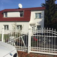 Family Home With Garden near Airport