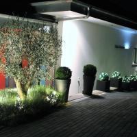 Four Seasons Lake GuestHouse